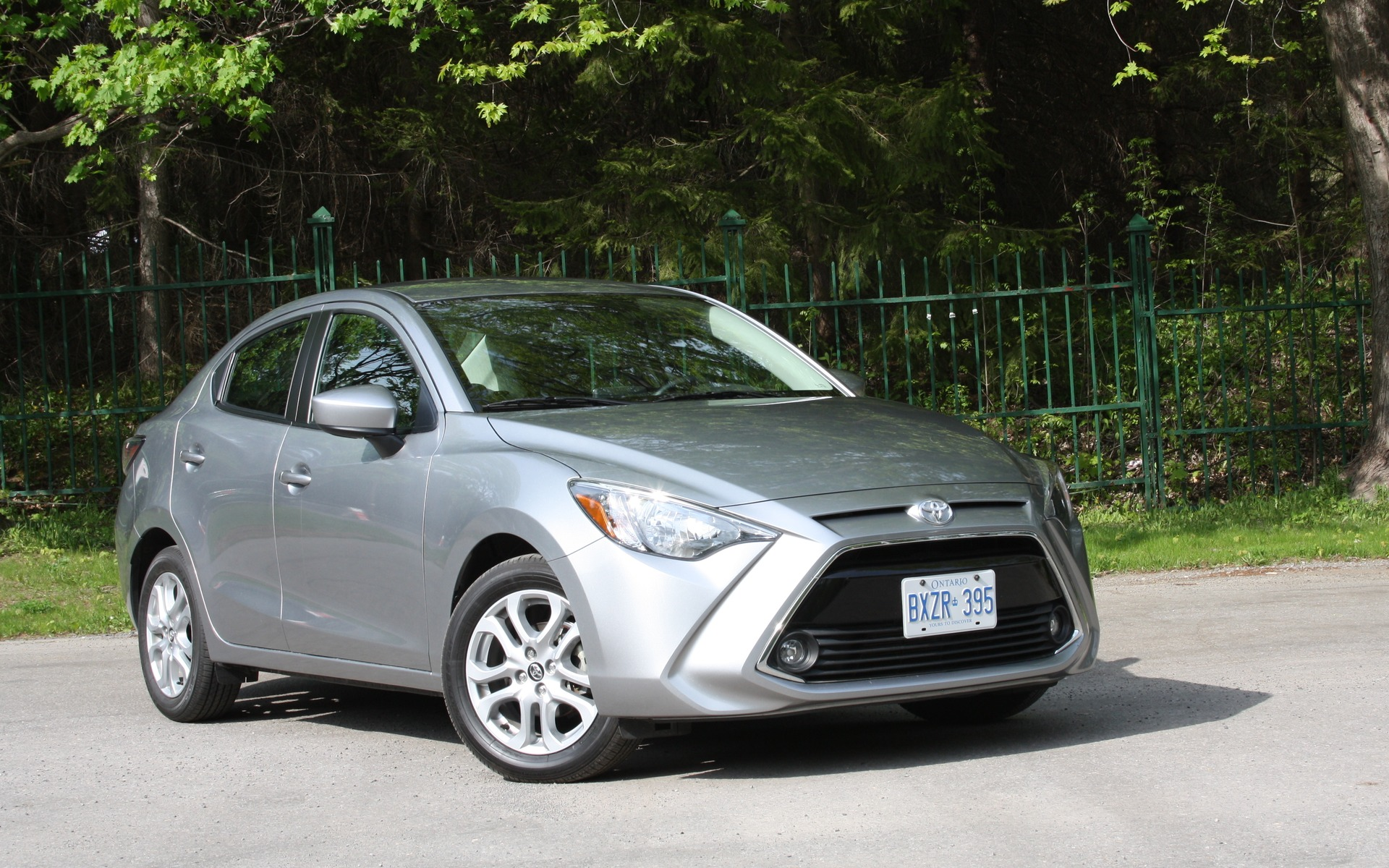 Kelebihan Toyota Yaris 2016 Top Model Tahun Ini