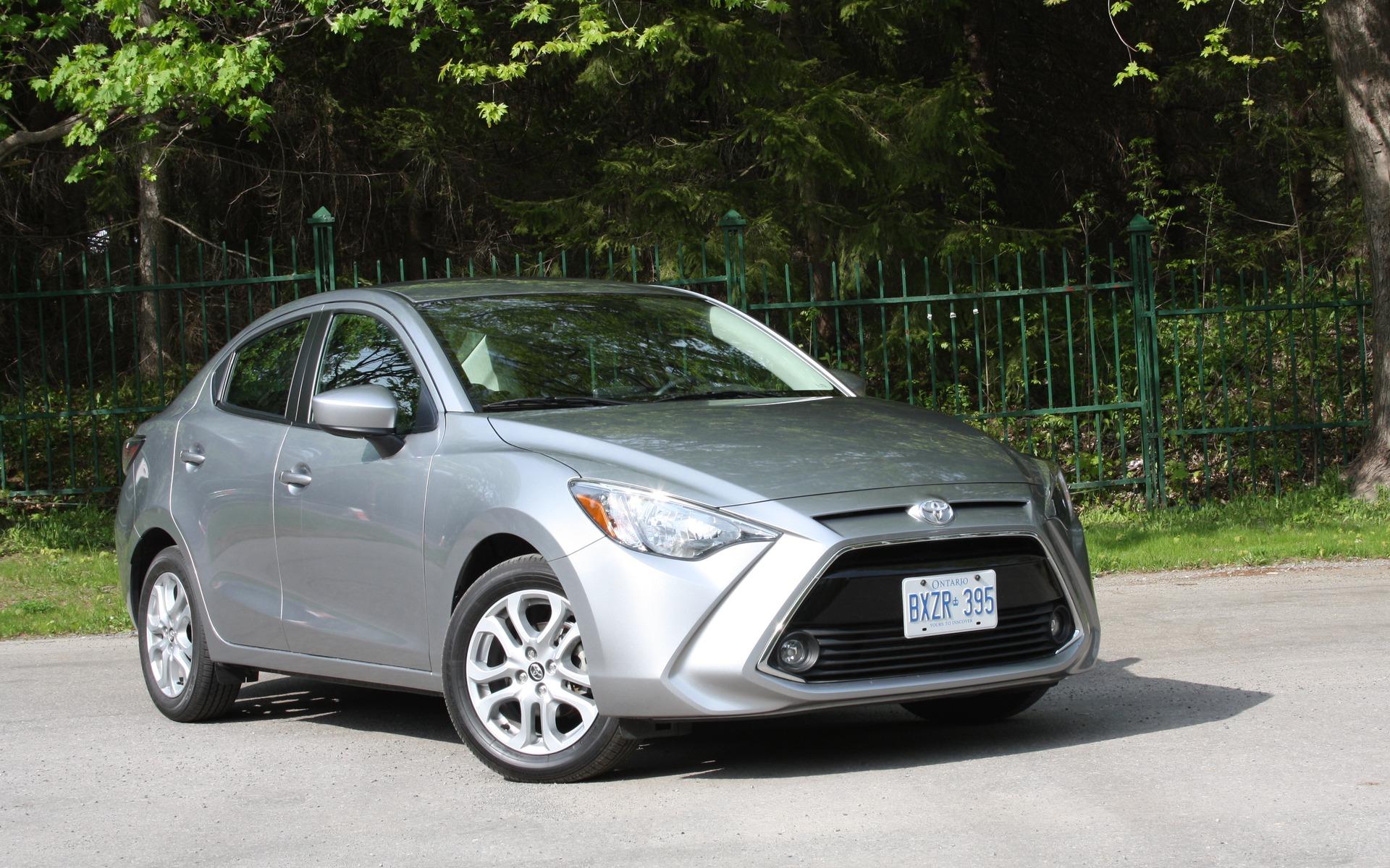 Kekurangan Sedan Toyota Tangguh