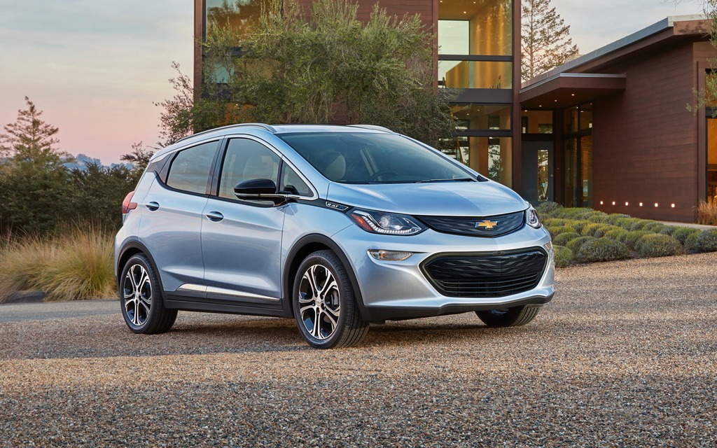 Le Chevrolet Bolt 2017 aura 383 kilomètres d'autonomie