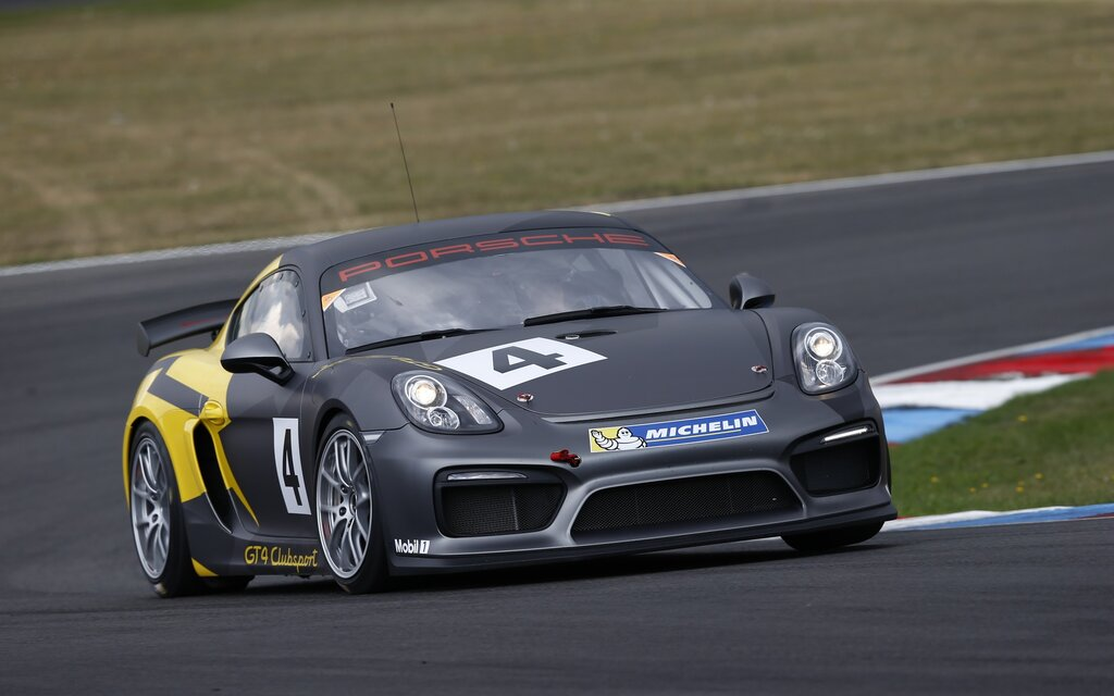 Porsche Gt4 Clubsport And Clubsport Mr Two Race Cars Derived From