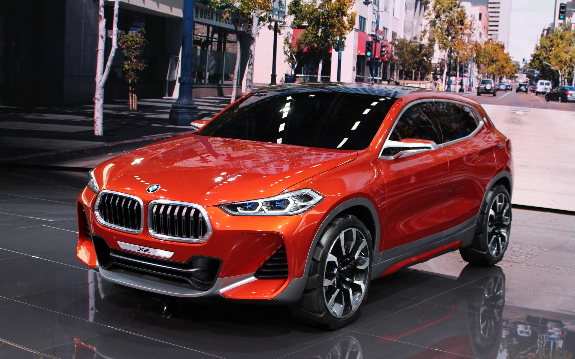 bmw x2 concept unveiled in paris the car guide. Black Bedroom Furniture Sets. Home Design Ideas