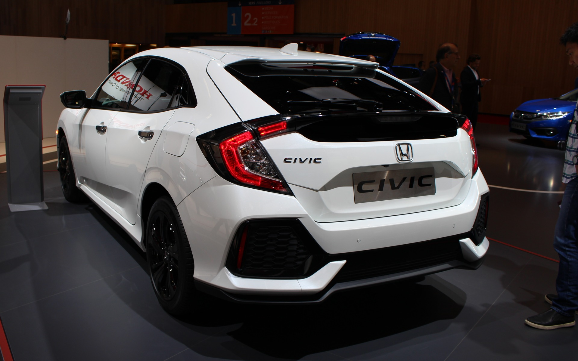 Used Honda Civic >> Here is the Production Version of the 2017 Honda Civic Hatchback - 2/18