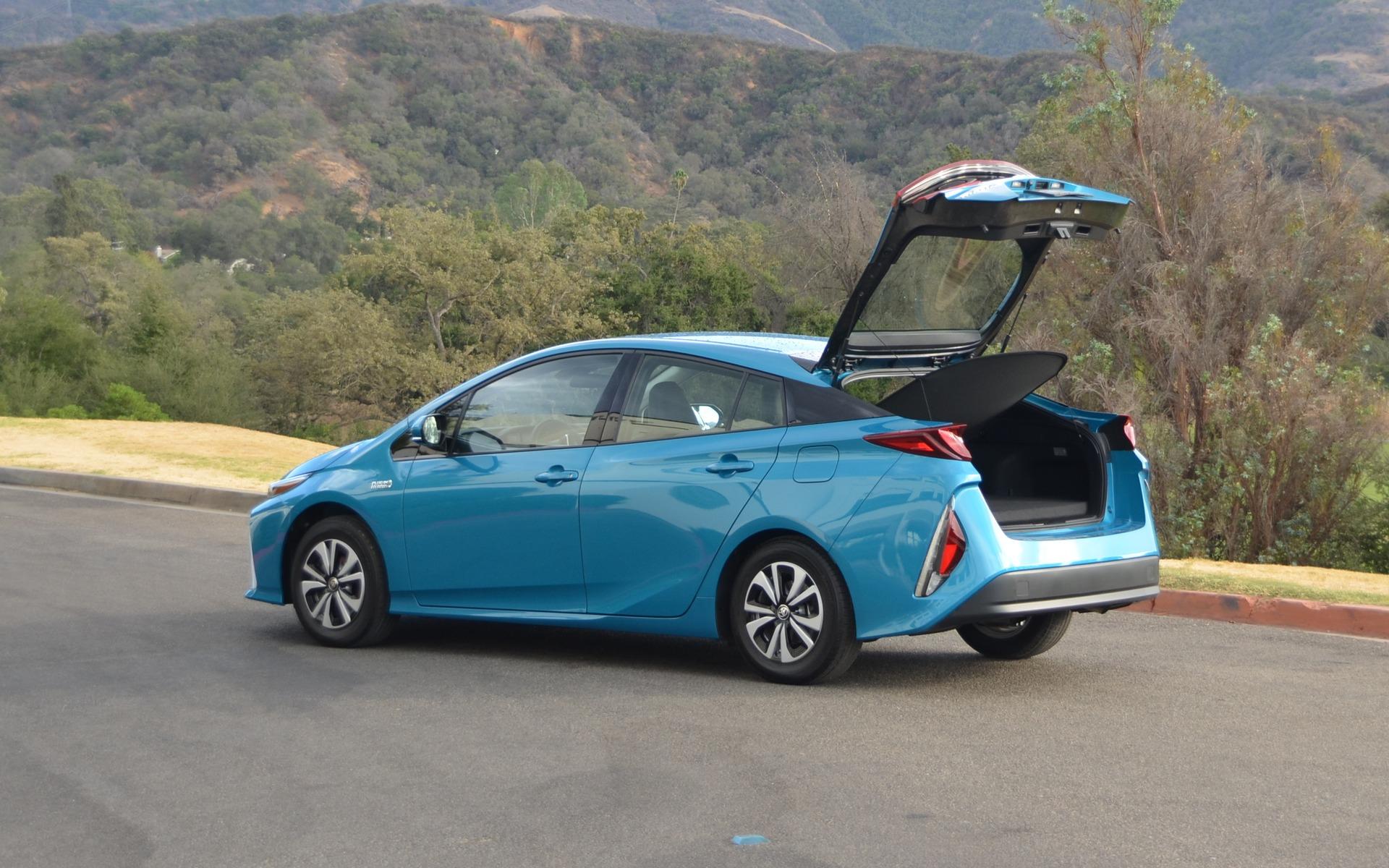 La Prius (et la Prime par le fait même) est une hatchback.