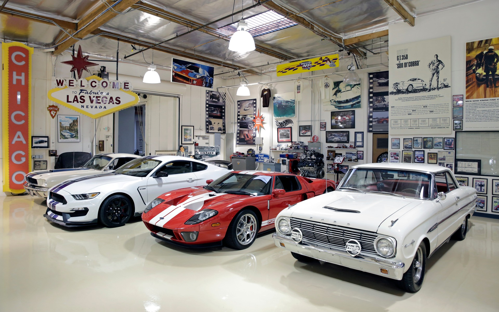 Une visite au big dog garage de jay leno guide auto - Garage de voiture de collection ...