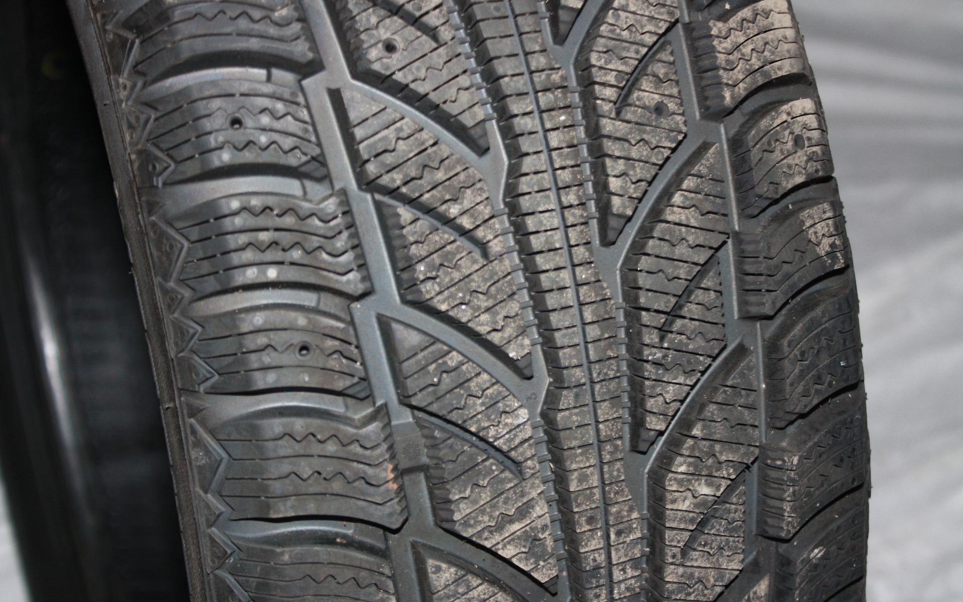 Cooper Weather Master Wsc >> Top 10 des pneus d'hiver pour petit budget - Guide Auto