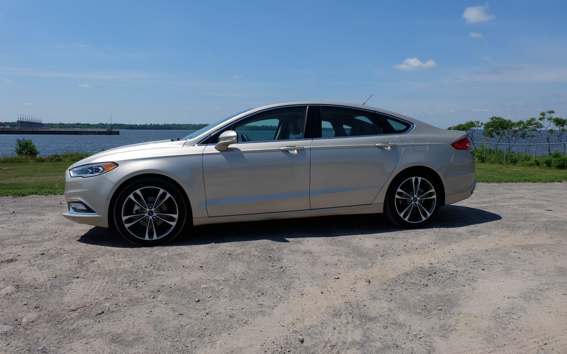 La Ford Fusion 2017 dispose aussi d'un système intégral fort efficace