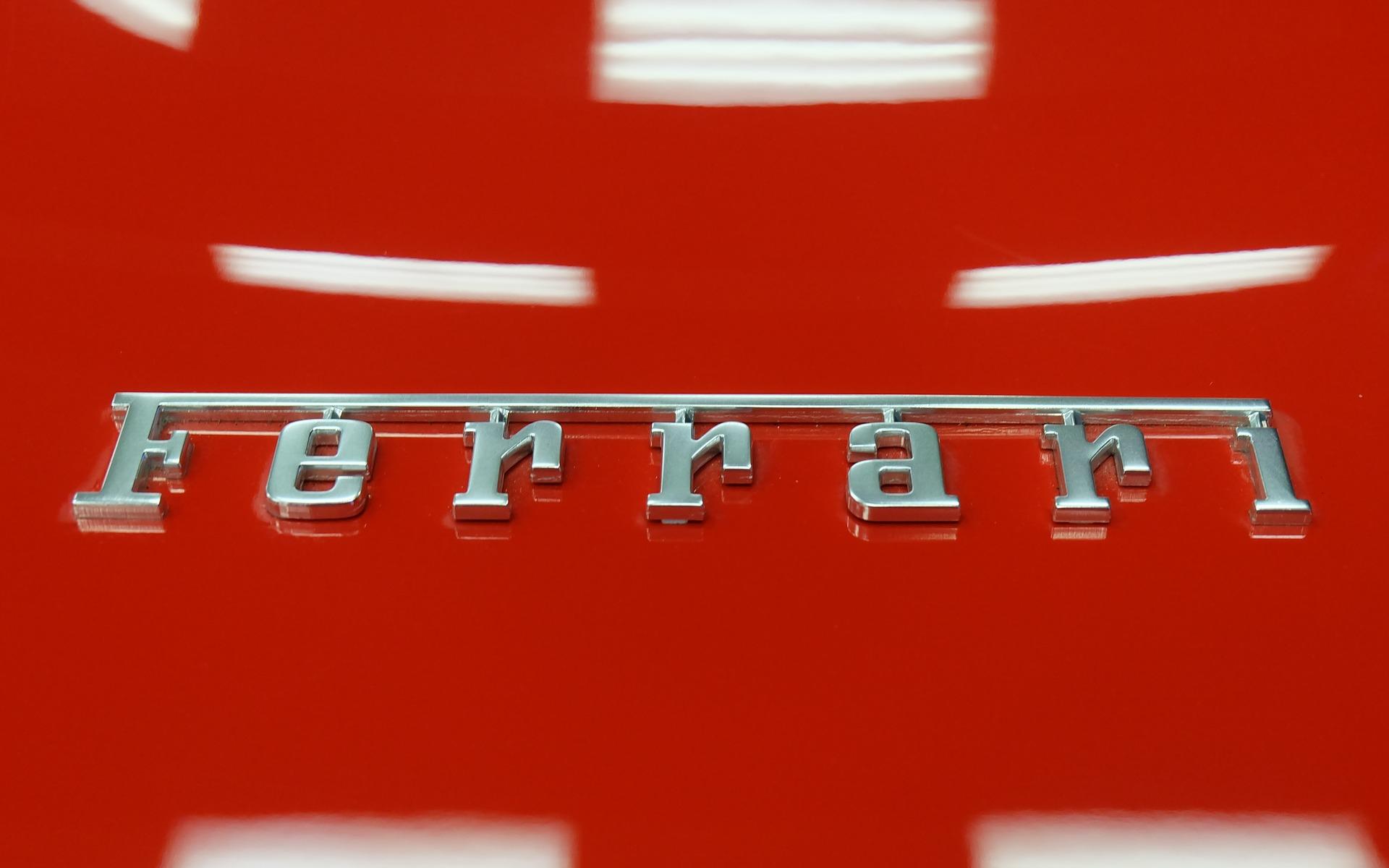 <p>Ferrari LaFerrari</p>