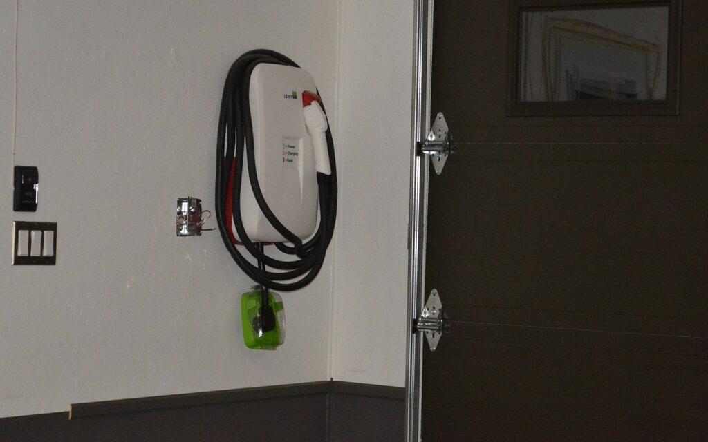 acheter sa borne de recharge tout ce qu il faut savoir guide auto. Black Bedroom Furniture Sets. Home Design Ideas