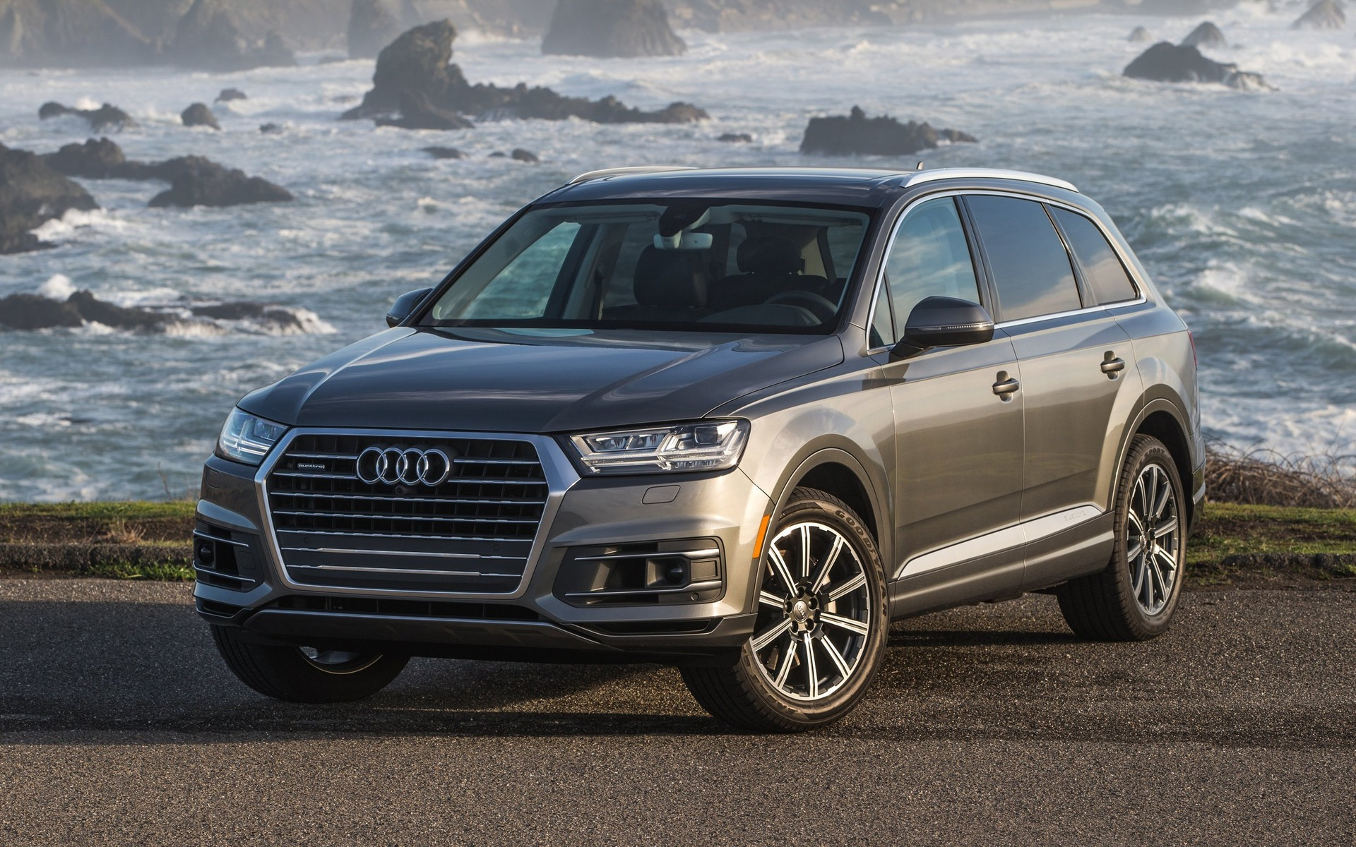 audi q7 the car guide s best new utility vehicle of the. Black Bedroom Furniture Sets. Home Design Ideas