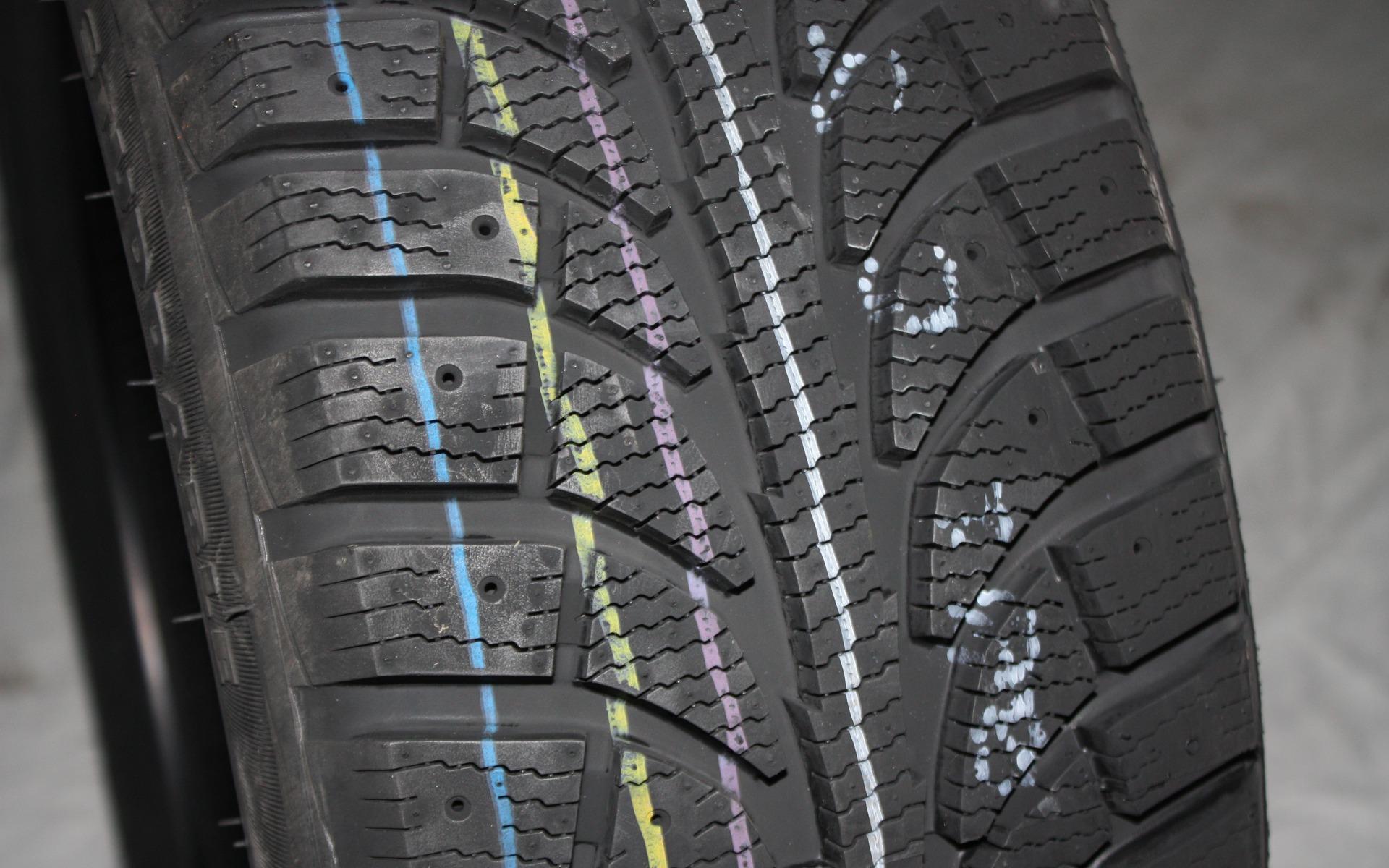test de pneus d 39 hiver du guide de l 39 auto 27 39. Black Bedroom Furniture Sets. Home Design Ideas
