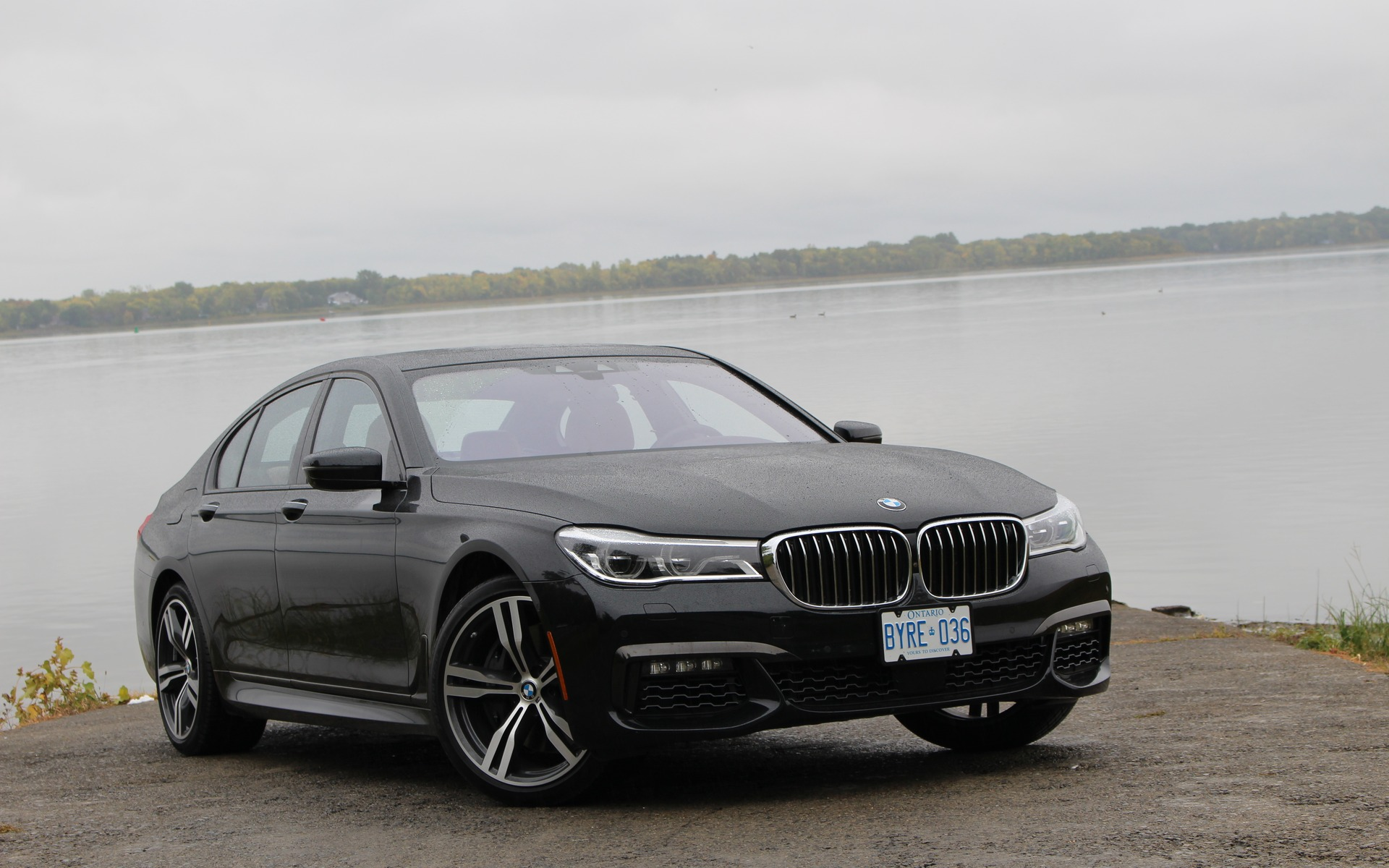 BMW 750i xDrive 2016