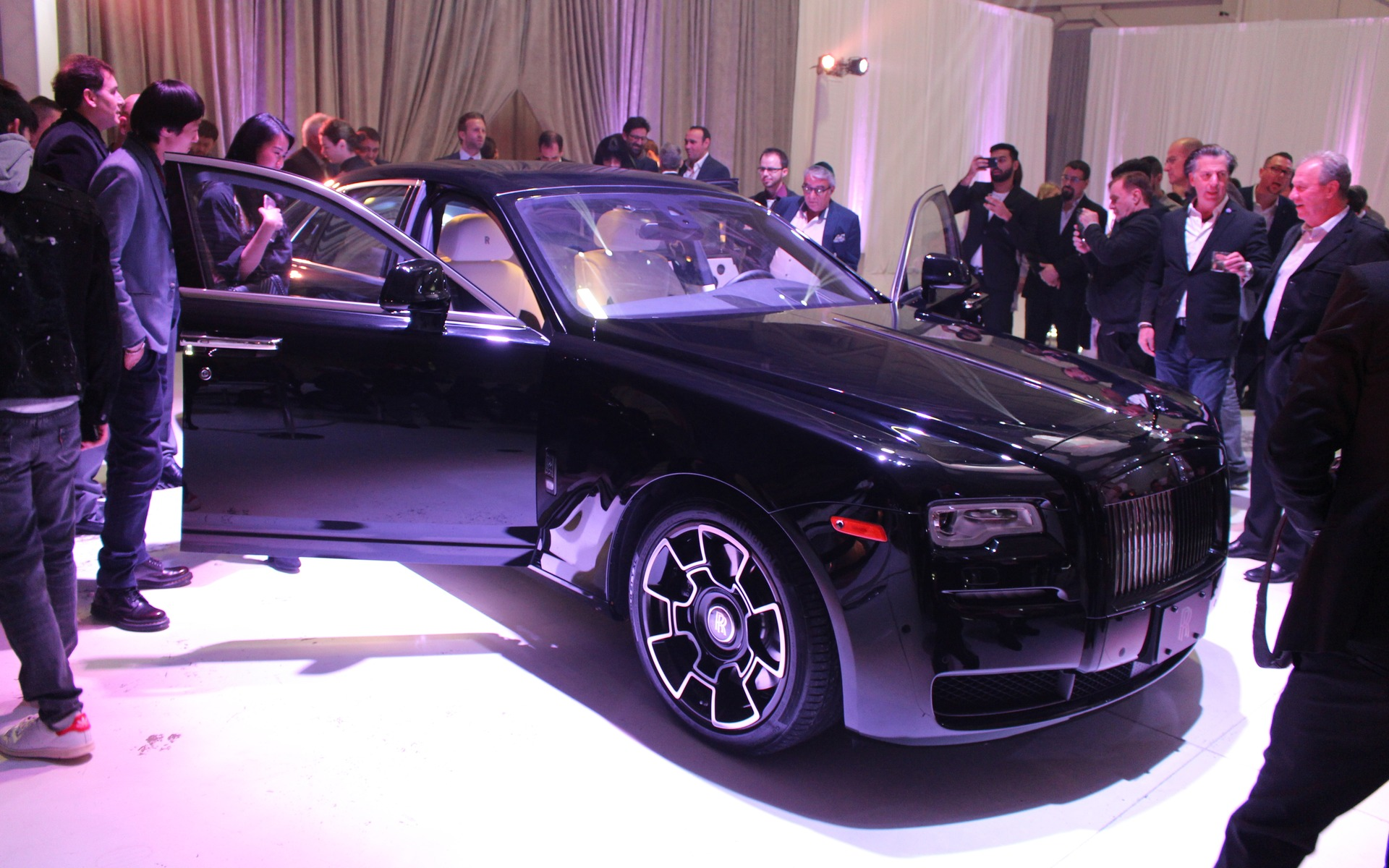 <p>2017 Rolls-Royce Ghost Black Badge</p>