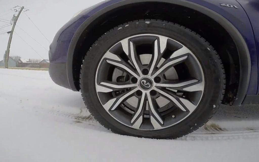 michelin x ice xi3 le pneu d hiver sous le signe de la performance guide auto. Black Bedroom Furniture Sets. Home Design Ideas