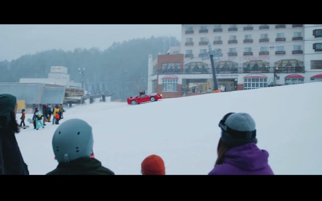 Une Ferrari F40 pour aller en ski ?