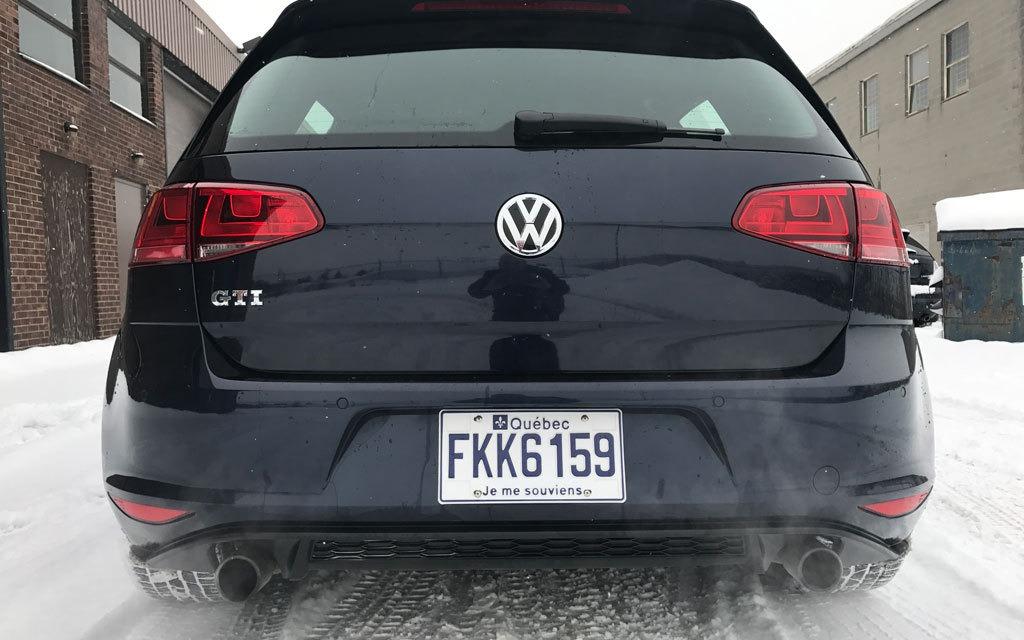 <p>2017 Volkswagen Golf GTI</p>