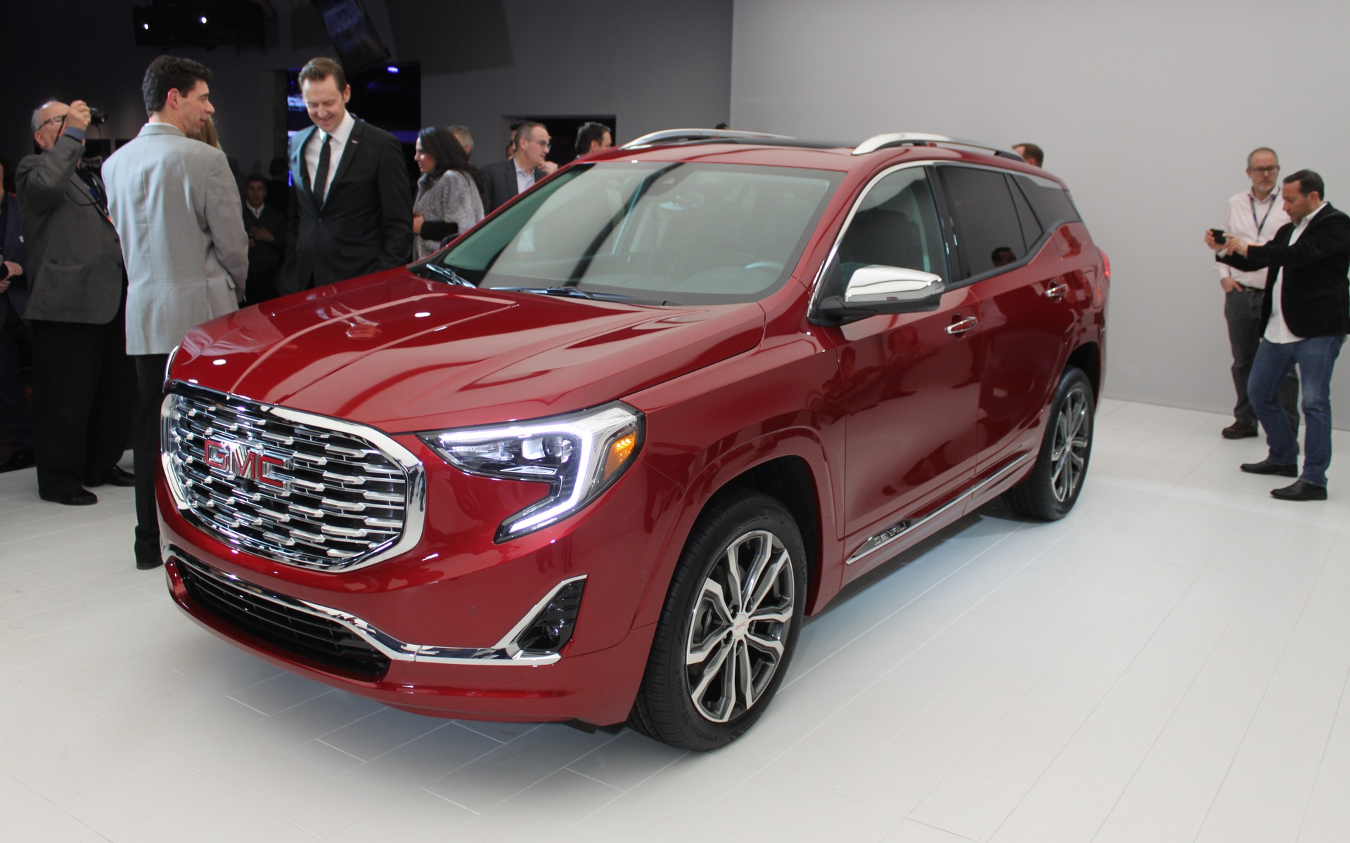 2018 GMC Terrain: the SUV Battle Rages on - The Car Guide