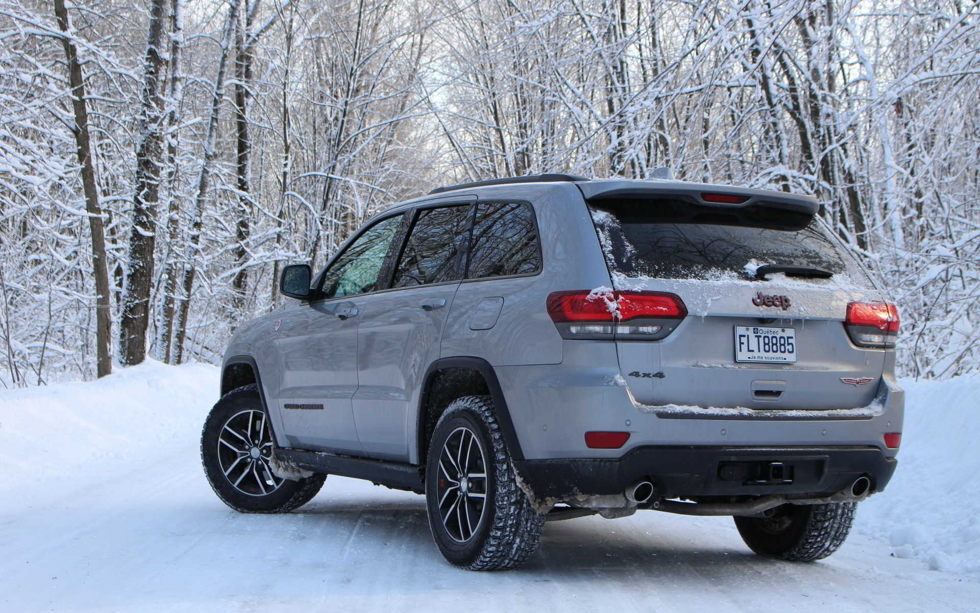 2017 jeep grand cherokee trailhawk the adventurous type the car guide. Black Bedroom Furniture Sets. Home Design Ideas
