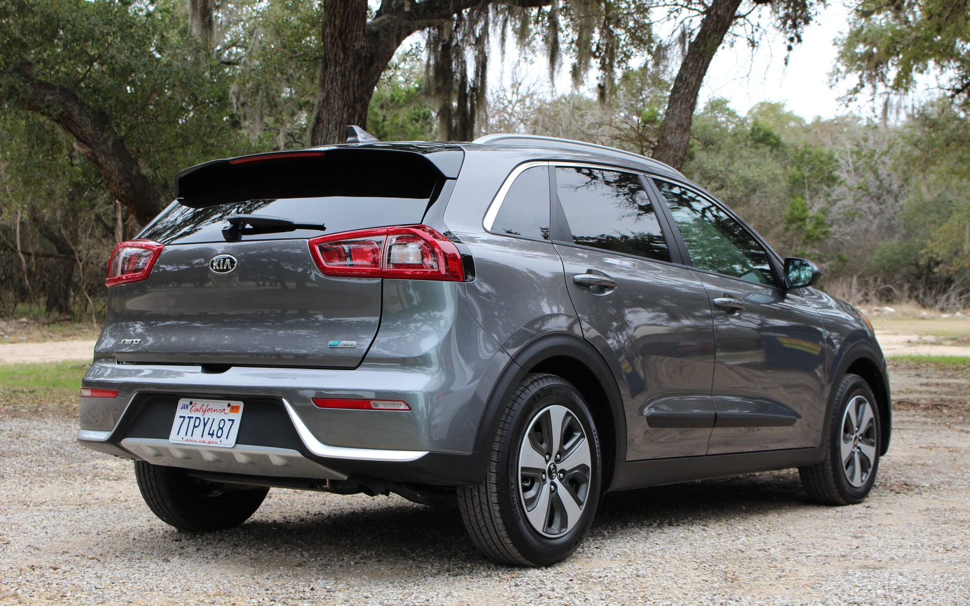 2017 kia niro phev and rubbing shoulders with other kia models 14 20. Black Bedroom Furniture Sets. Home Design Ideas