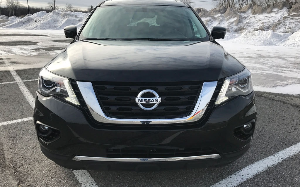 <p>2017 Nissan Pathfinder</p>