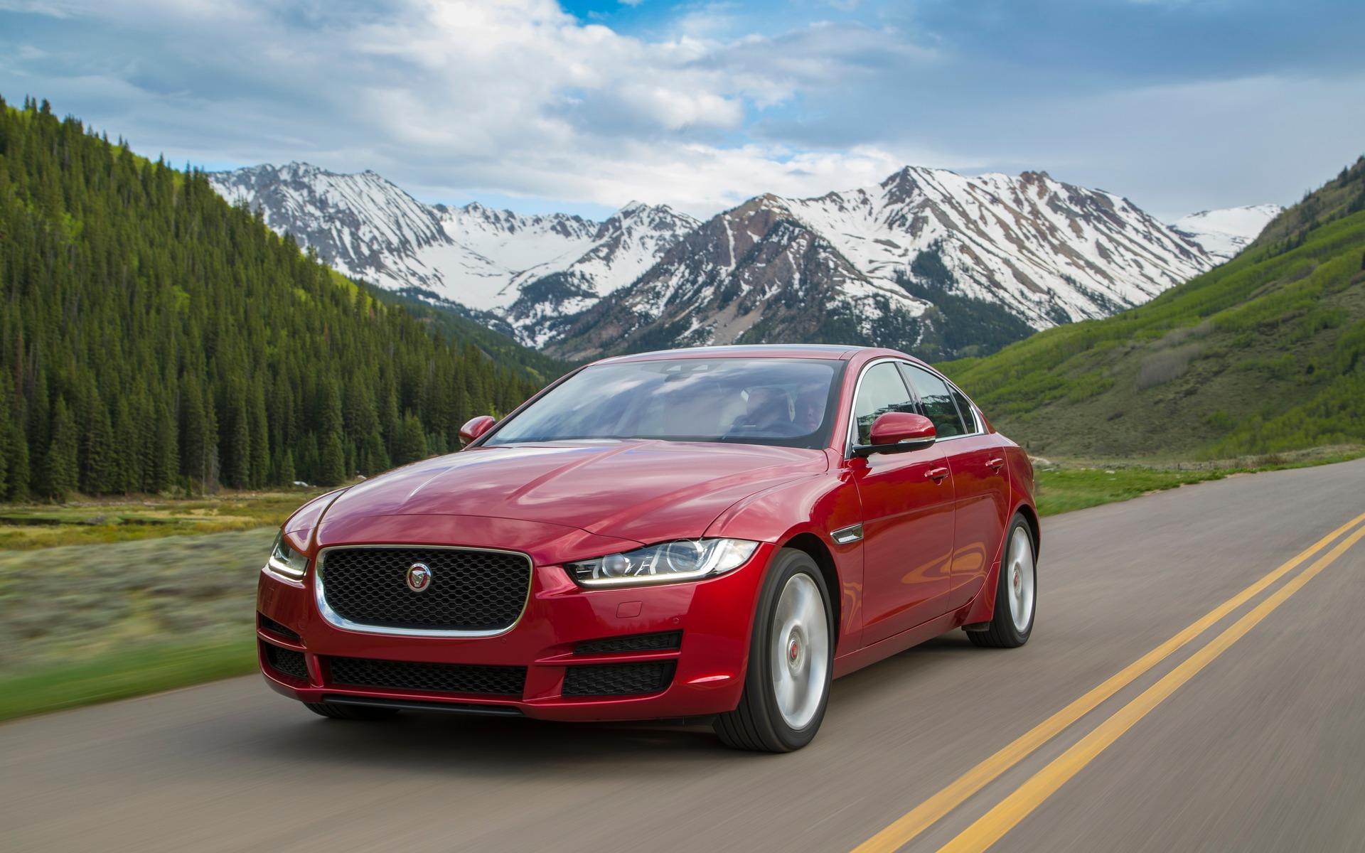 <p>Jaguar XE</p>