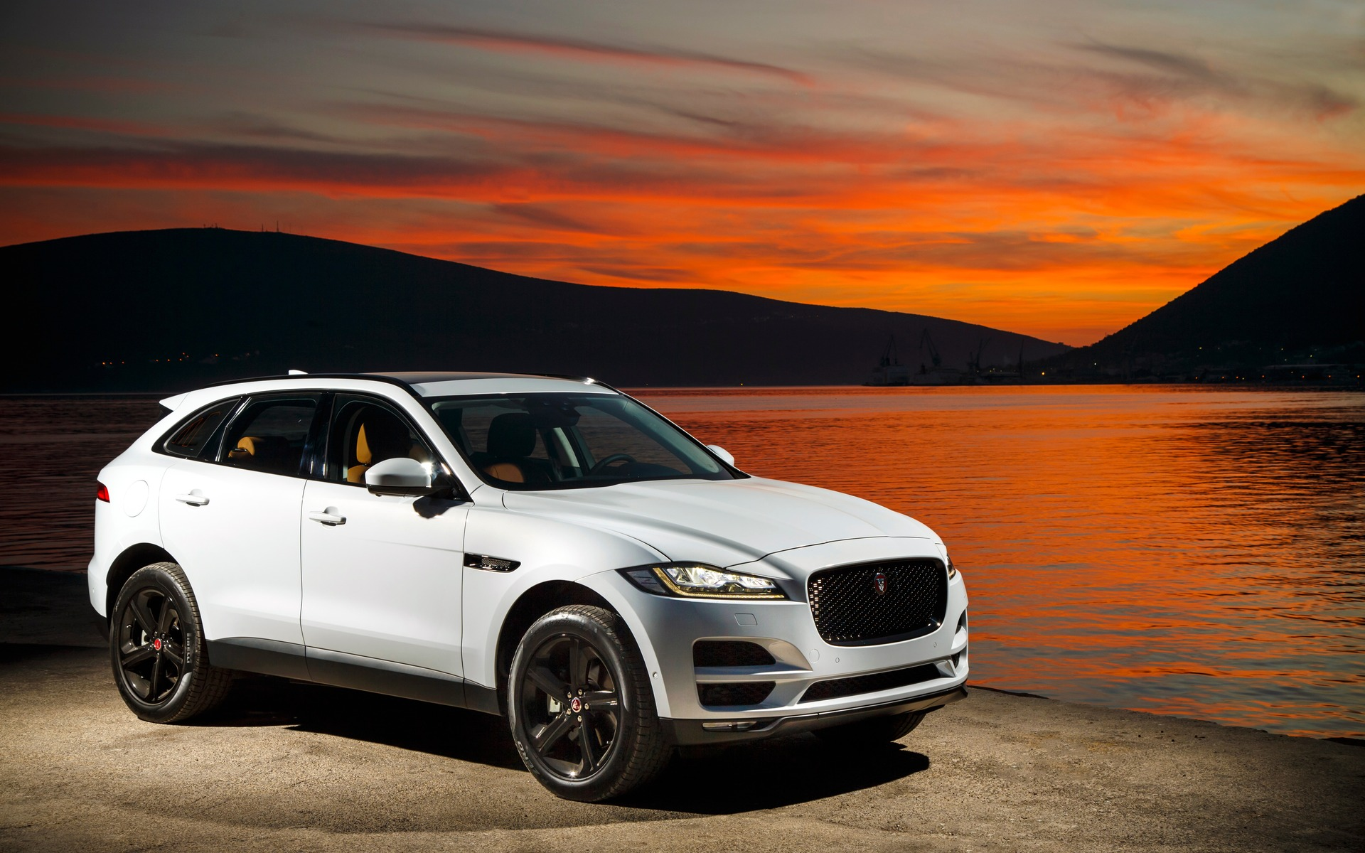 new base powertrain for the 2018 jaguar f pace xe and xf models the car guide. Black Bedroom Furniture Sets. Home Design Ideas