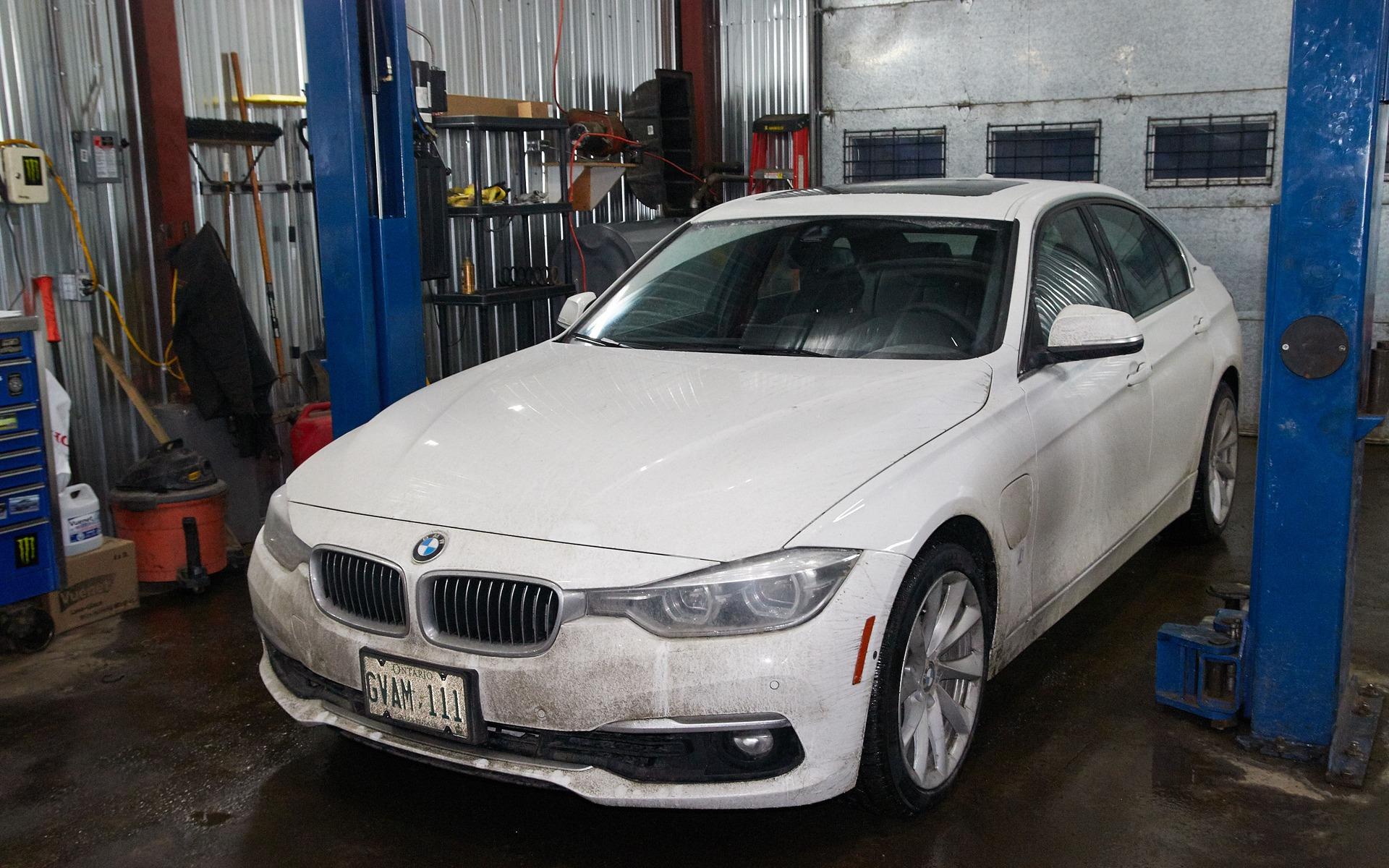 Notre BMW Série 3 hybride rechargeable, prête pour l'inspection