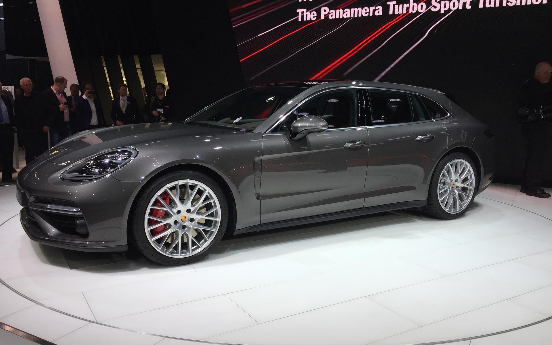 2018 Porsche Panamera Sport Turismo The Wagon Variant 4 17