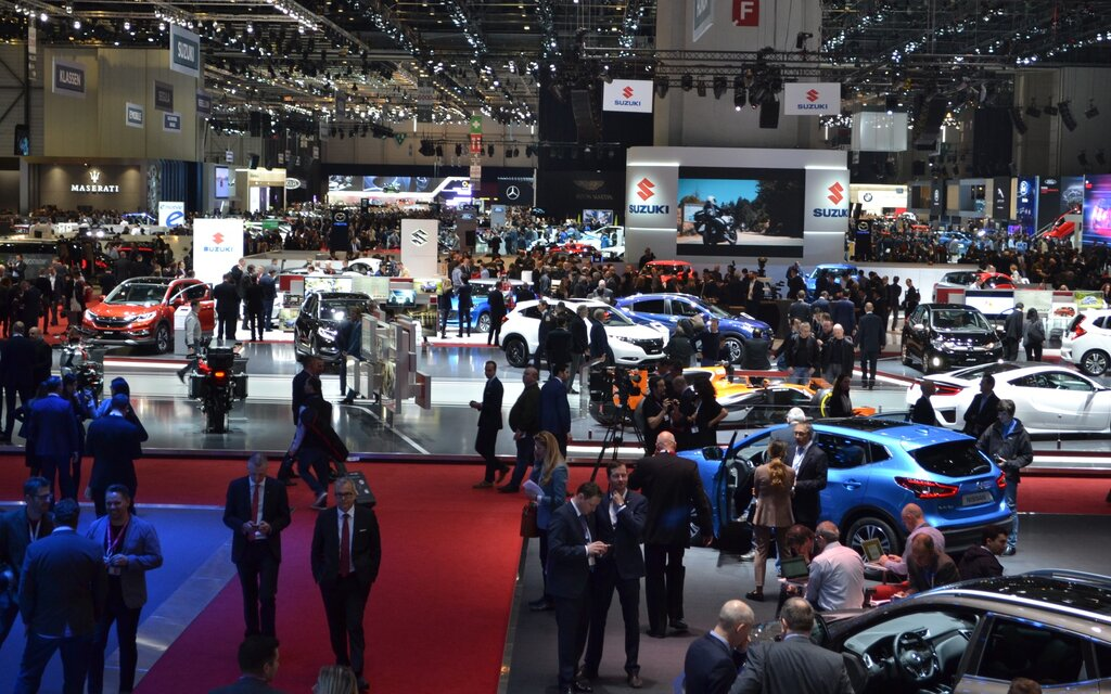 Live mission sp ciale en direct du salon de l 39 auto de for Salon geneve auto