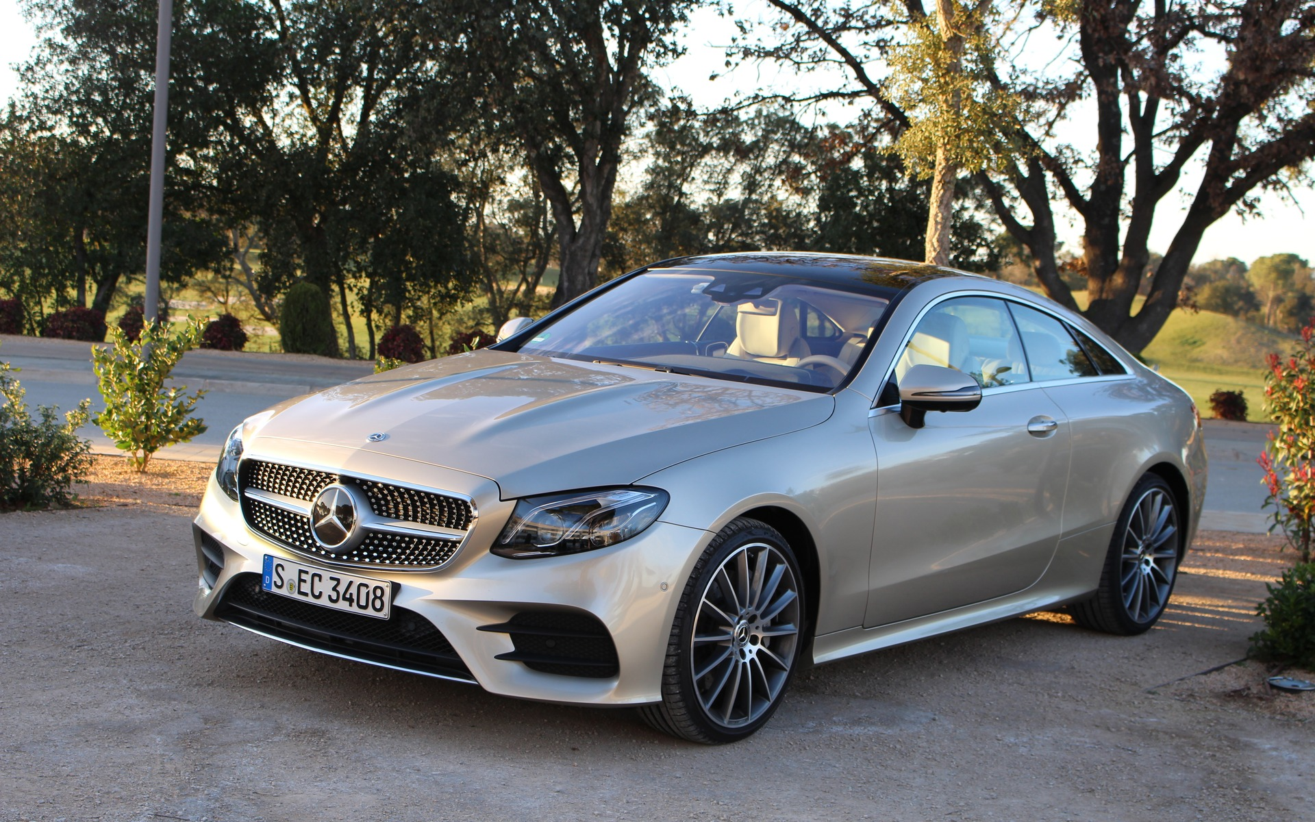 2018 mercedes benz e class coupe looks guts and brains 34 39. Black Bedroom Furniture Sets. Home Design Ideas