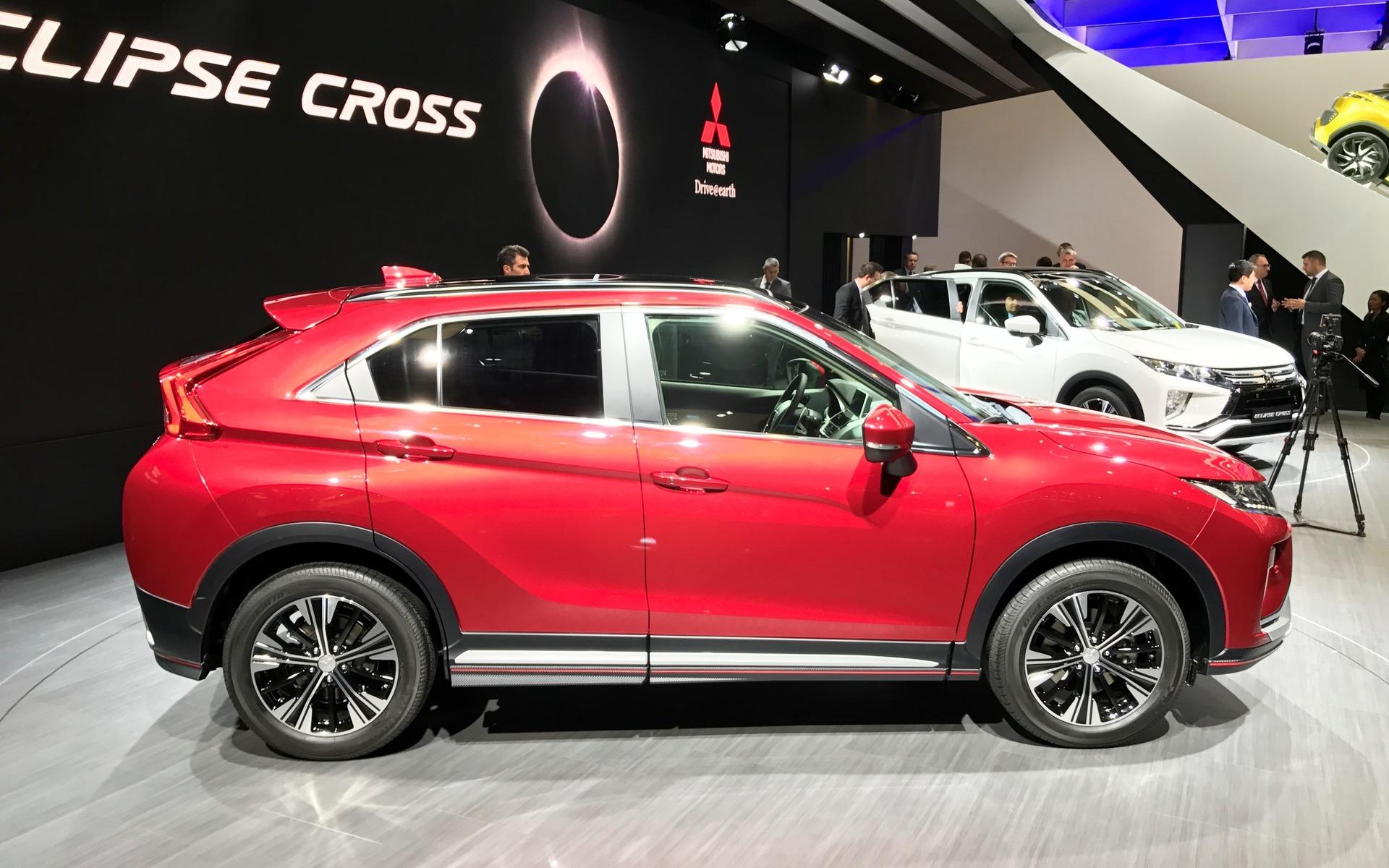 Mitsubishi Eclipse 2018 >> 2018 Mitsubishi Eclipse Cross: a New SUV for the Brand - 4/56