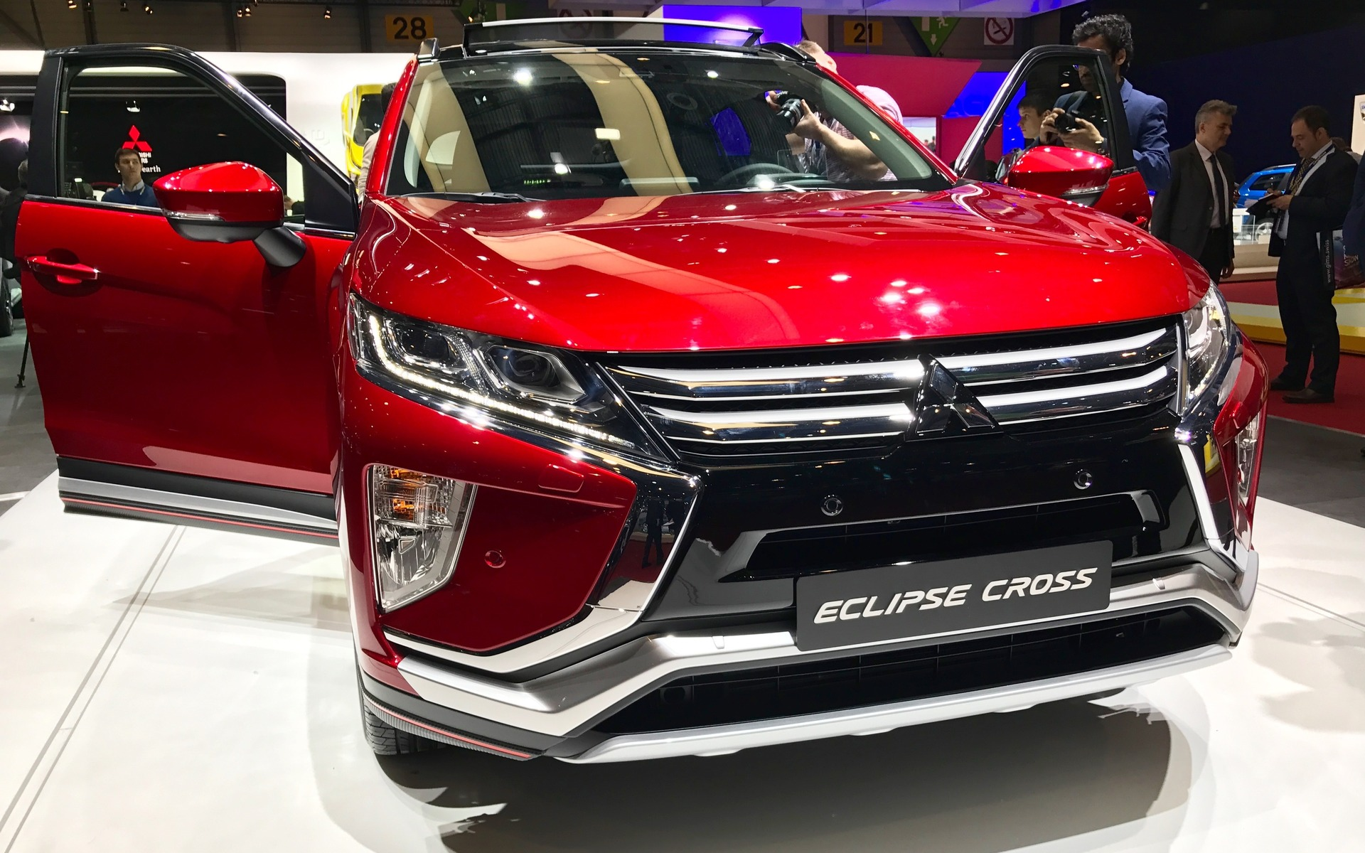 2018 Mitsubishi Eclipse Cross: a New SUV for the Brand - 9/56
