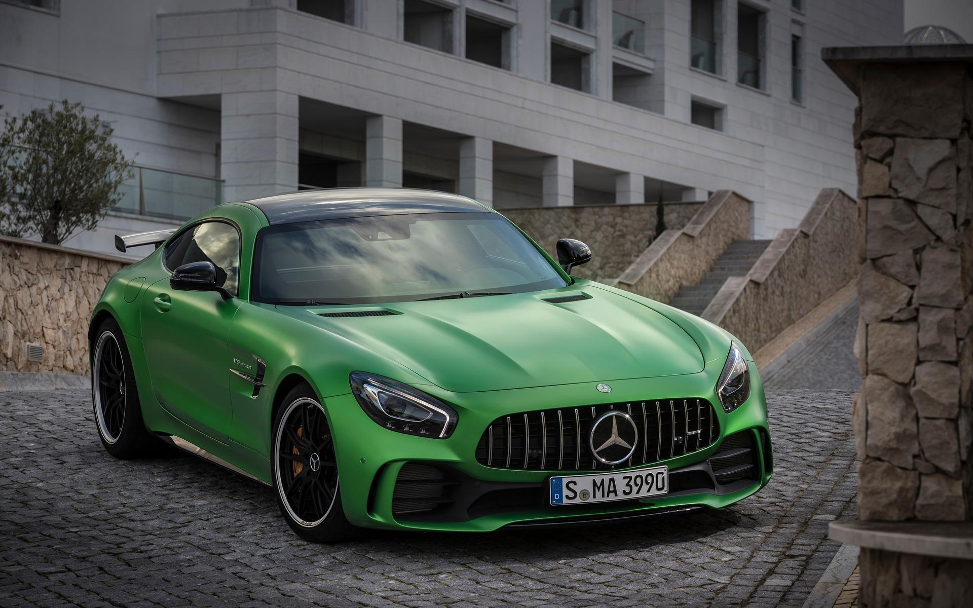 <p>Mercedes-AMG GT R 2018</p>