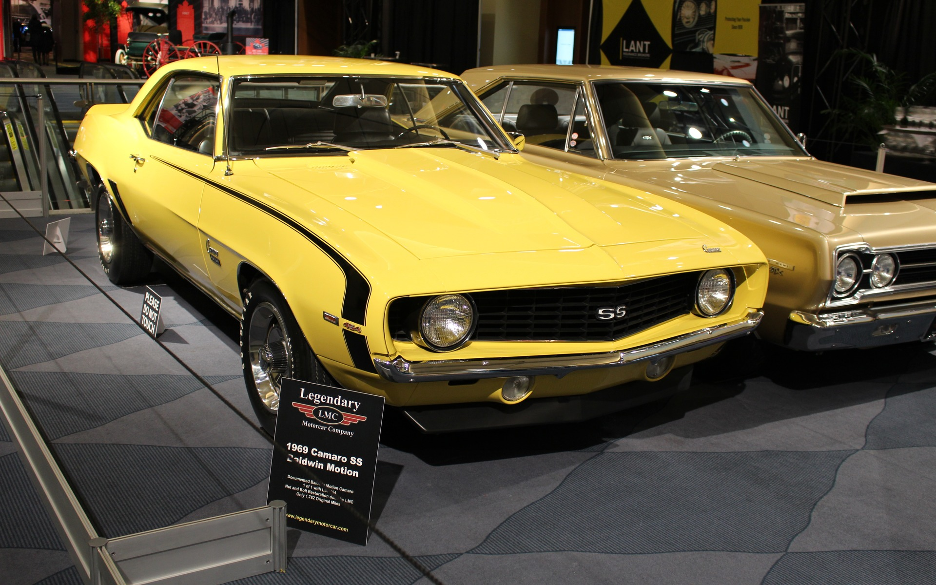 Classic Cars at the 2017 Toronto Auto Show - 3/39