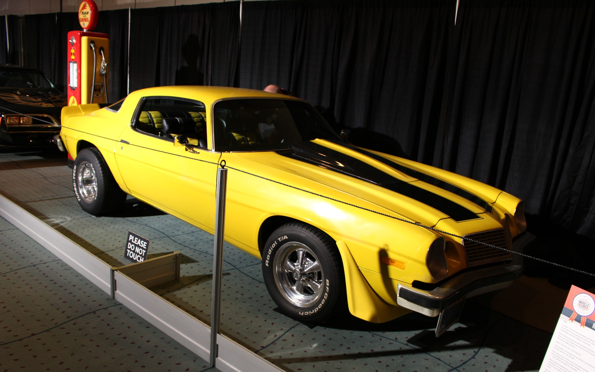 Classic Cars at the 2017 Toronto Auto Show - 31/39