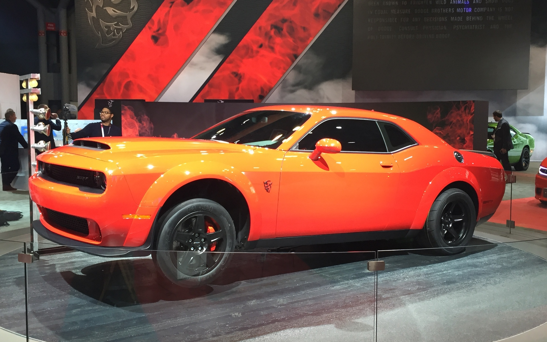 2018 dodge challenger srt demon monster drag racer the car guide. Black Bedroom Furniture Sets. Home Design Ideas
