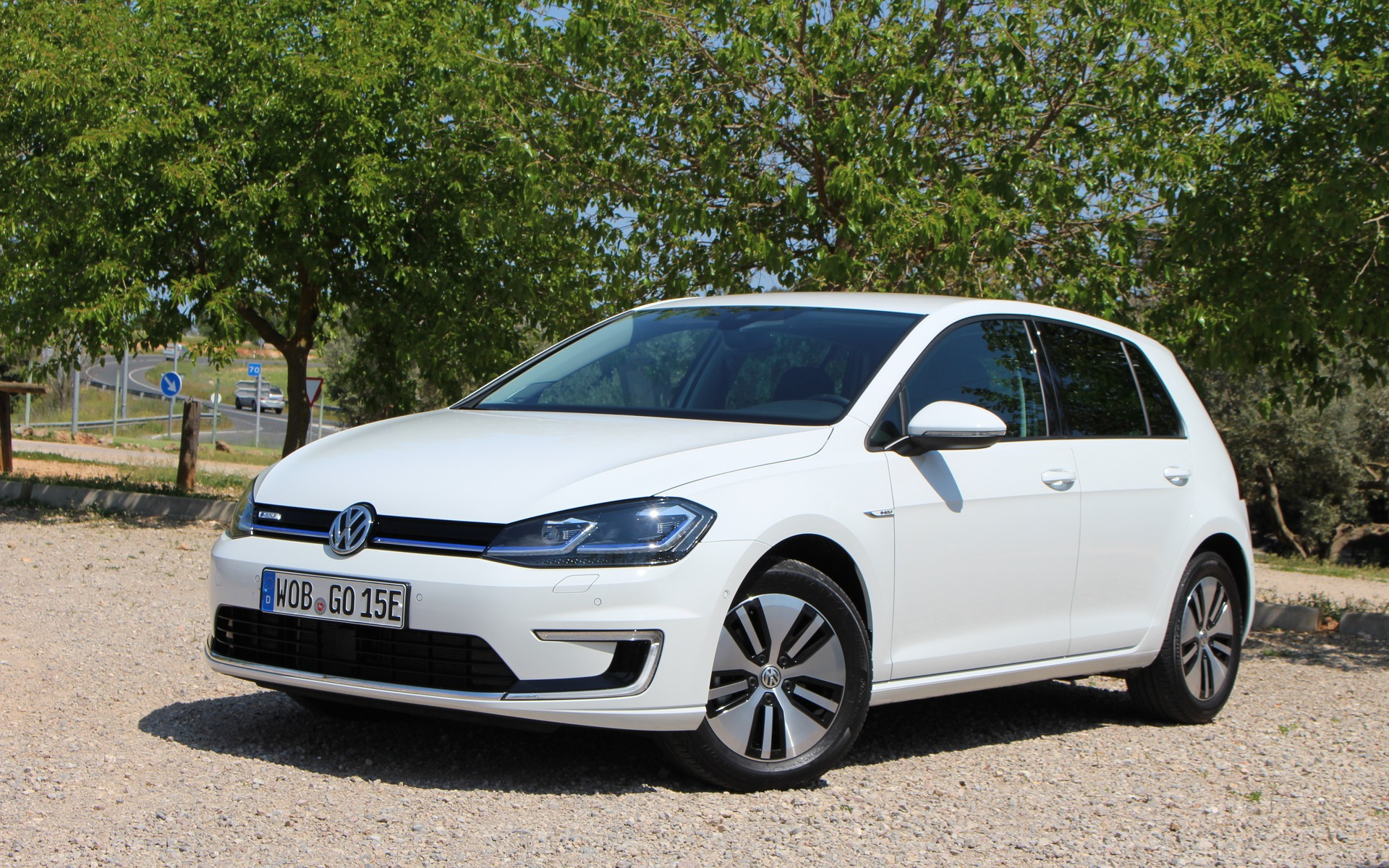 2017 Volkswagen e-Golf: Watch Out, Bolt - The Car Guide