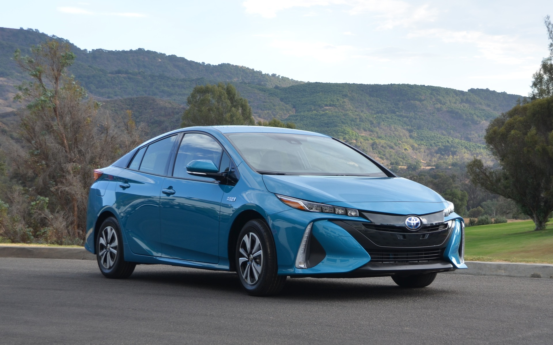 2017 toyota prius prime pricing announced the car guide. Black Bedroom Furniture Sets. Home Design Ideas