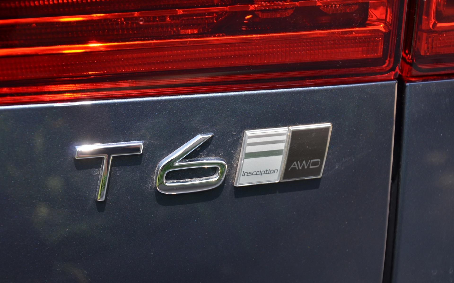 <p>Volvo XC602018 - Modèle T6 en livrée Inscription.</p>