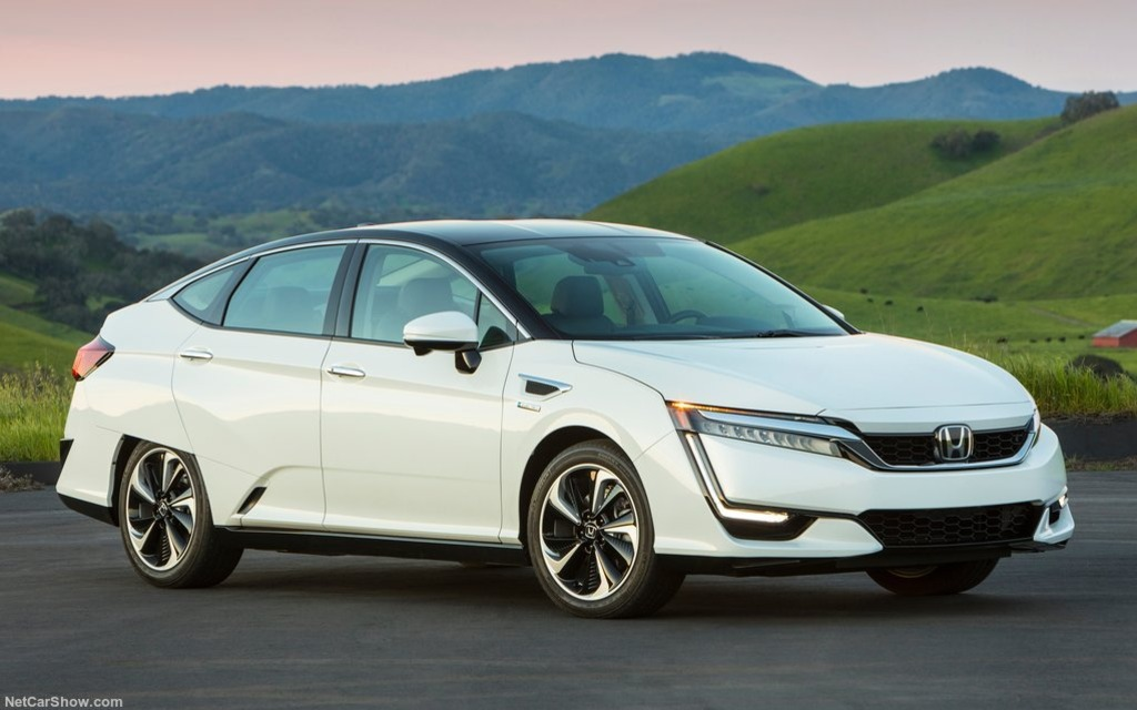 The Honda Clarity plug-in hybrid will be sold in Canada.
