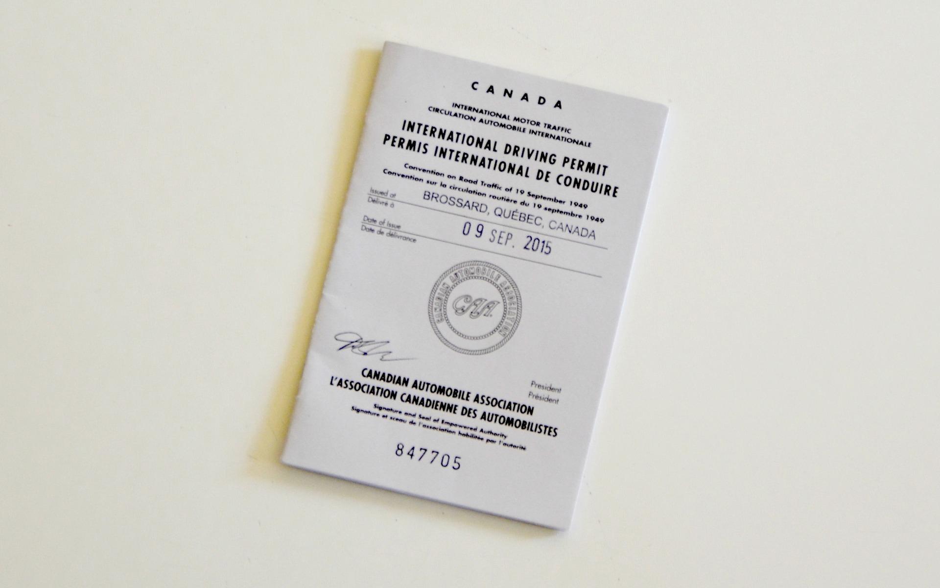 devriez vous avoir un permis de conduire international guide auto. Black Bedroom Furniture Sets. Home Design Ideas