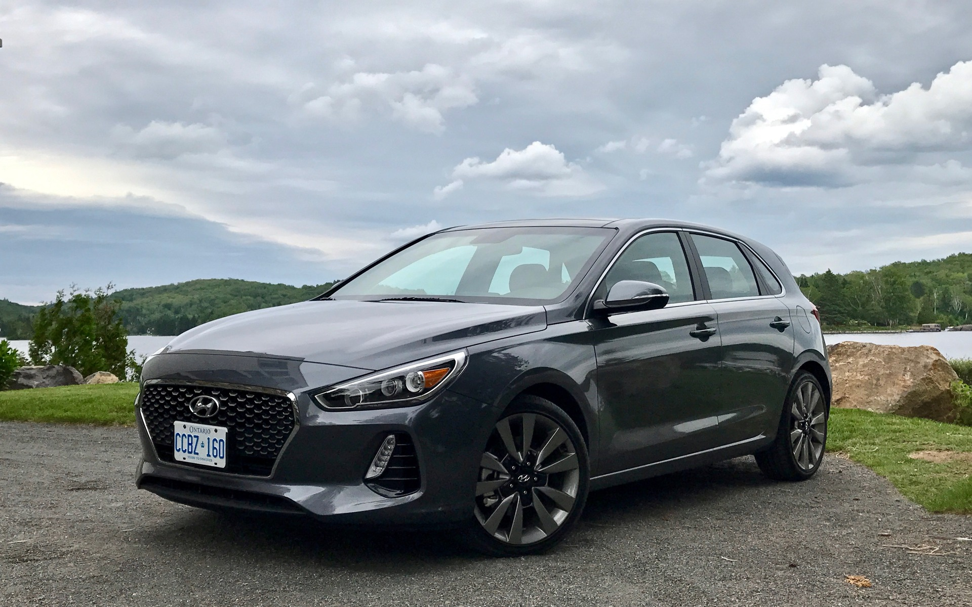 2018 hyundai elantra gt slightly below expectations the car guide. Black Bedroom Furniture Sets. Home Design Ideas