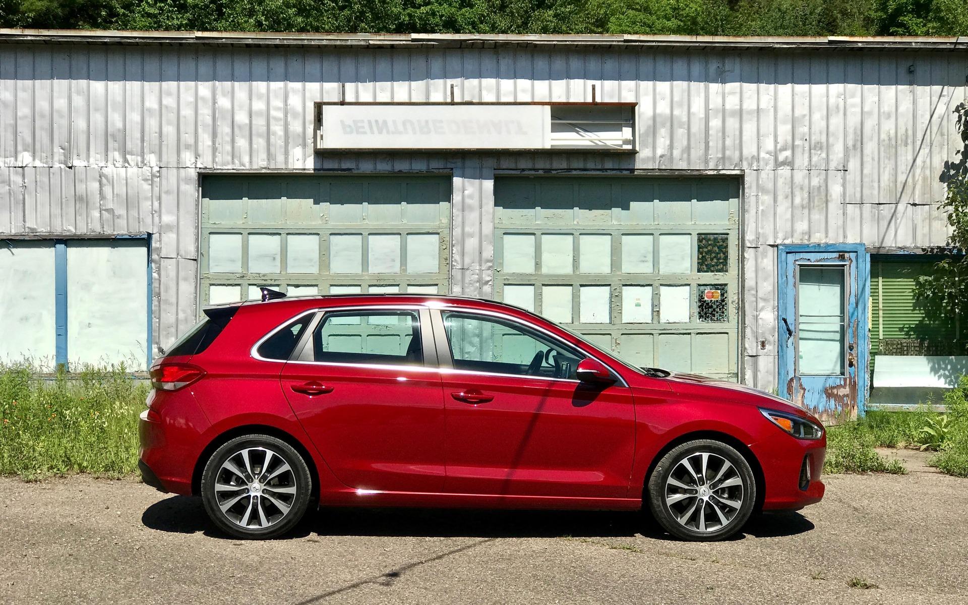 2018 Hyundai Elantra Gt Slightly Below Expectations The Car Guide