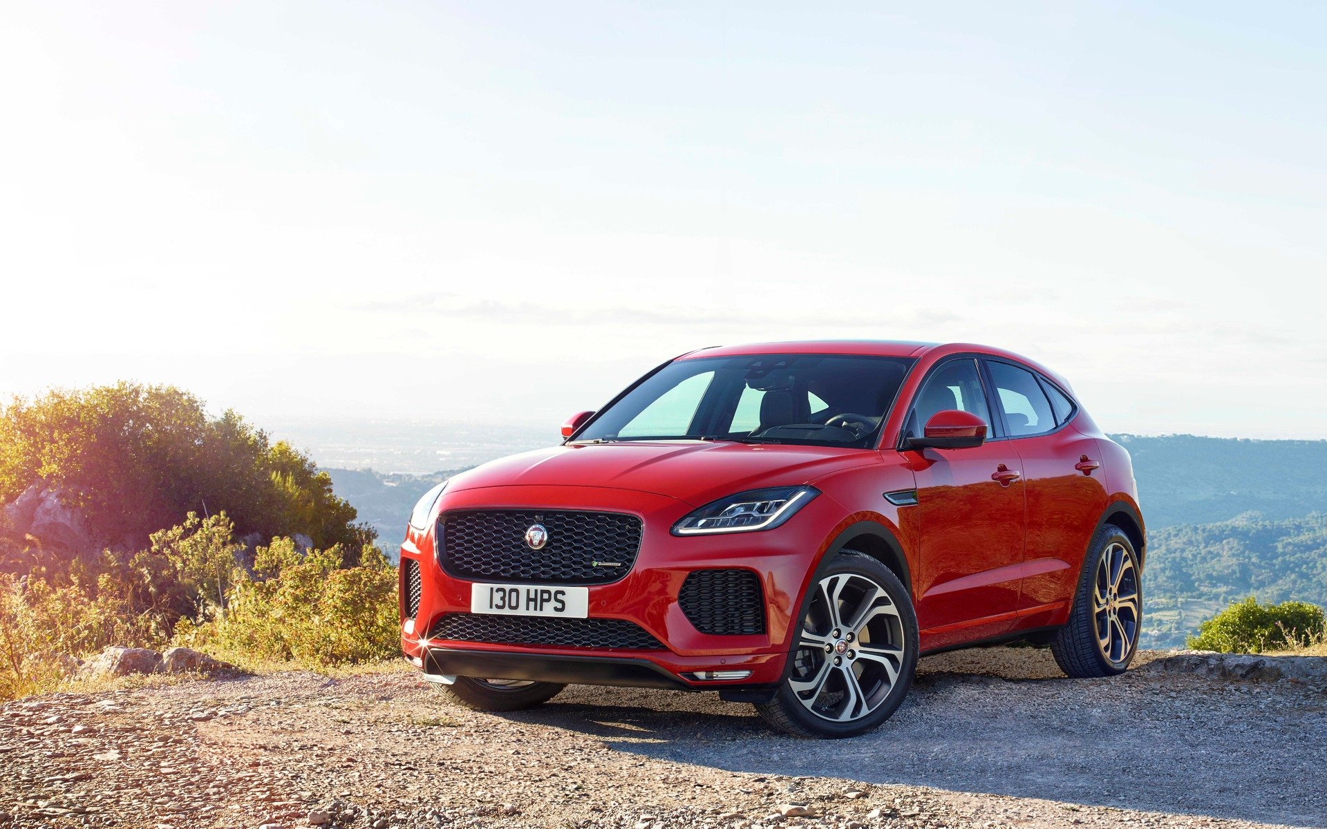 le jaguar e pace 2018 officiellement d voil guide auto. Black Bedroom Furniture Sets. Home Design Ideas