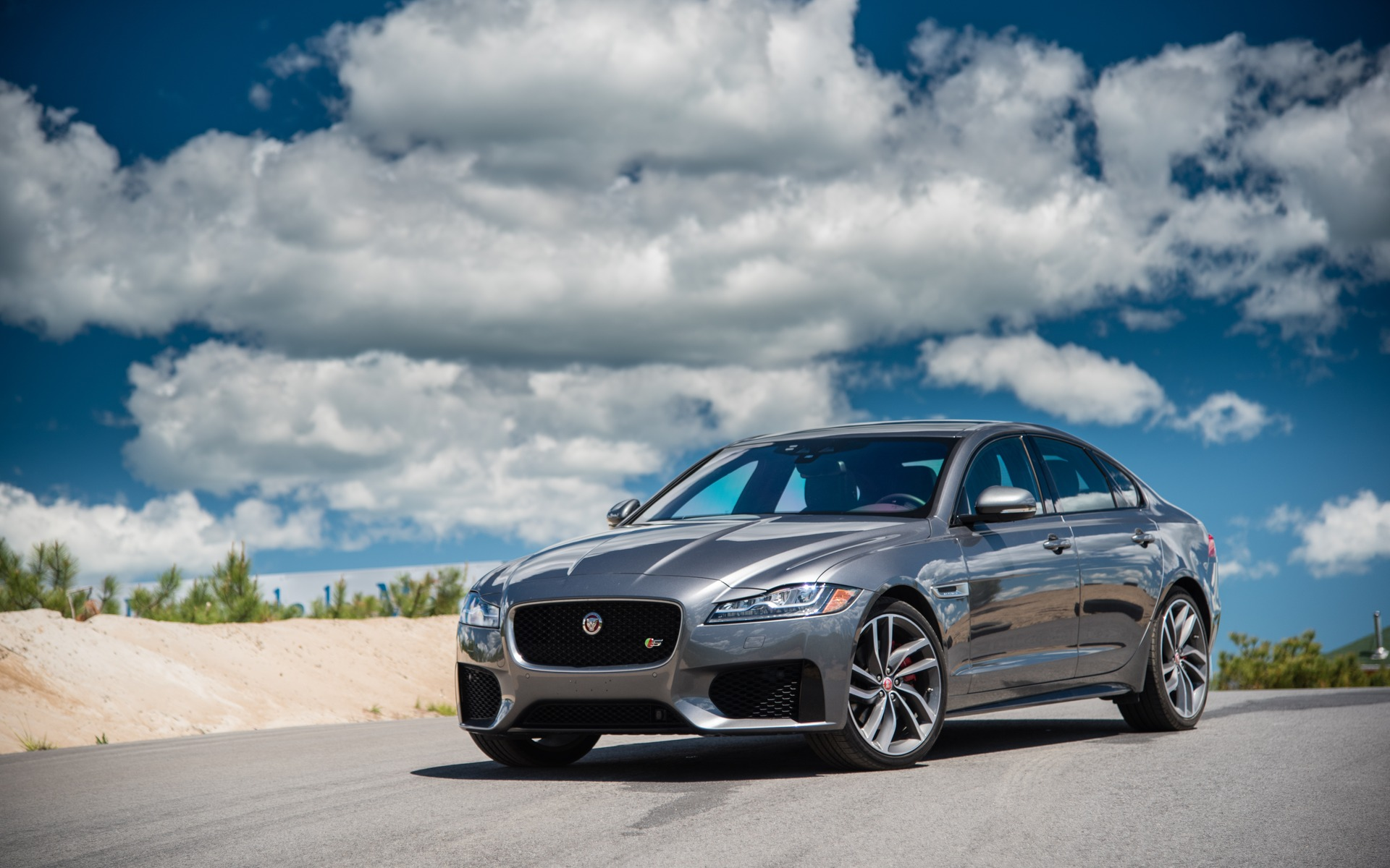<p>#3: Jaguar XF S | 283.3 POINTS | 79 600$</p>