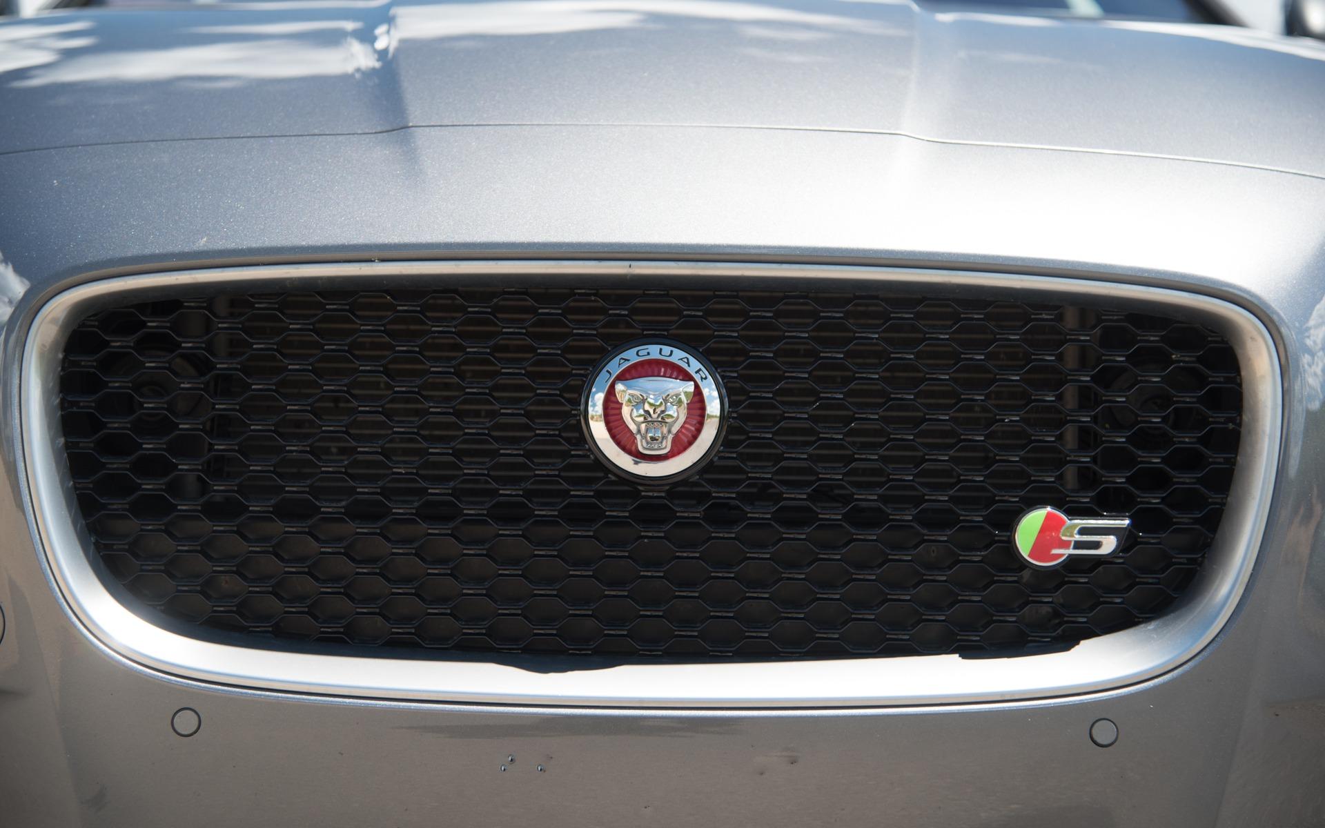 <p>#3: Jaguar XF S   283.3 POINTS   79&nbsp;600$</p>