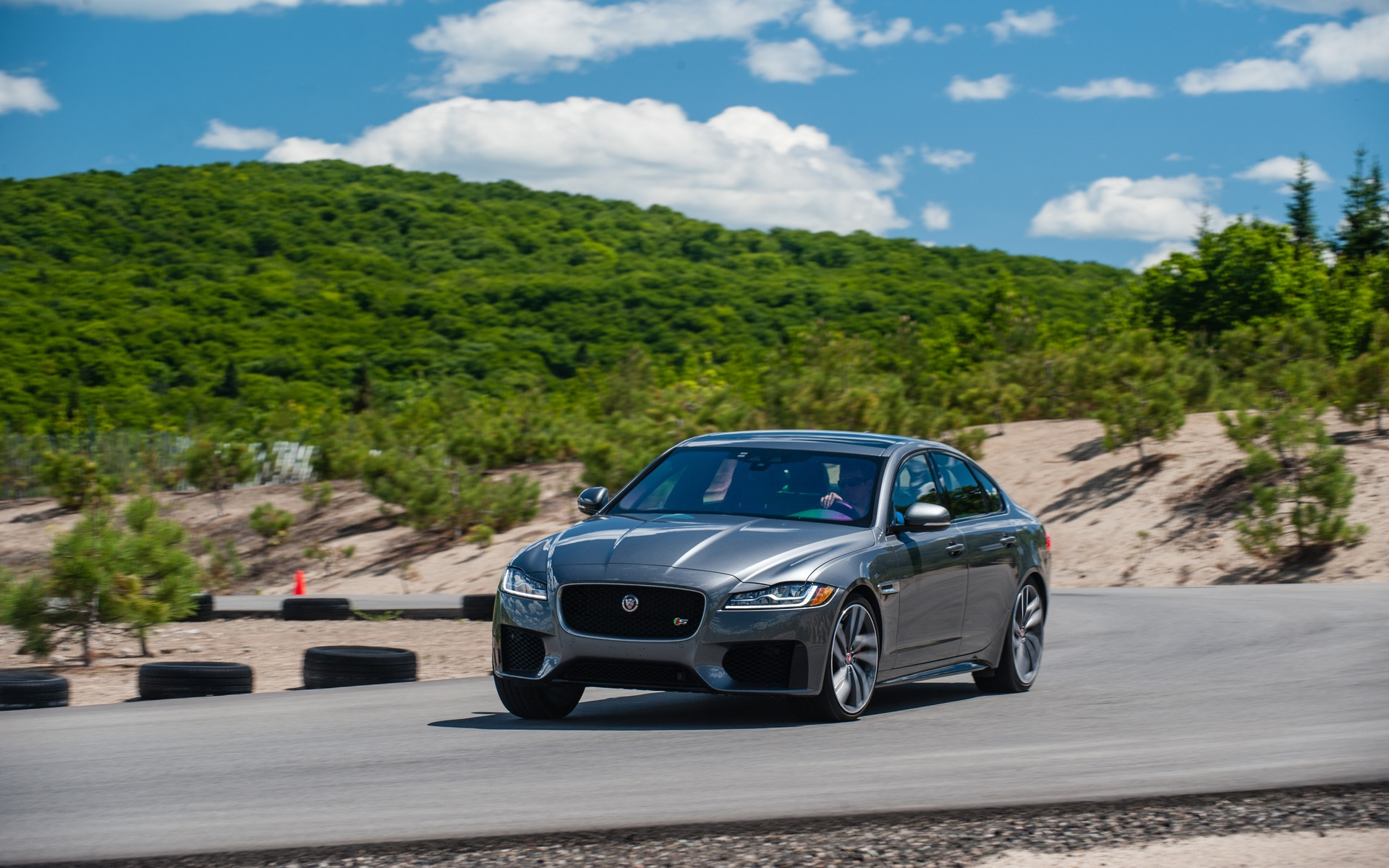 <p>#3: Jaguar XF S | 283.3 POINTS | 79&nbsp;600$</p>