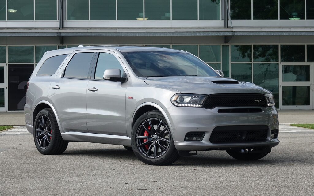 2018 dodge durango srt the hellcat 39 s burly cousin the car guide. Black Bedroom Furniture Sets. Home Design Ideas