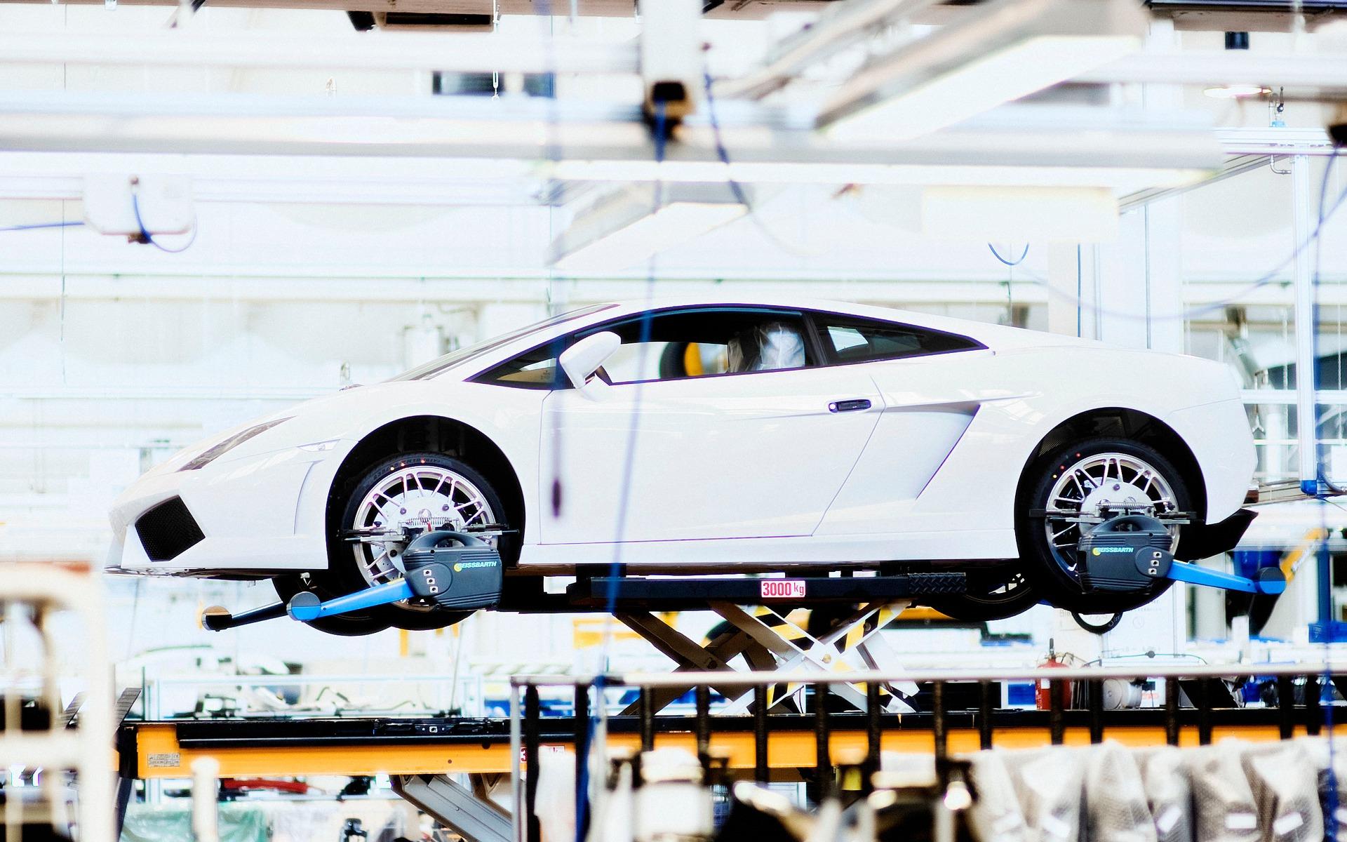 Chaque voiture est fabriquée sur mesure.