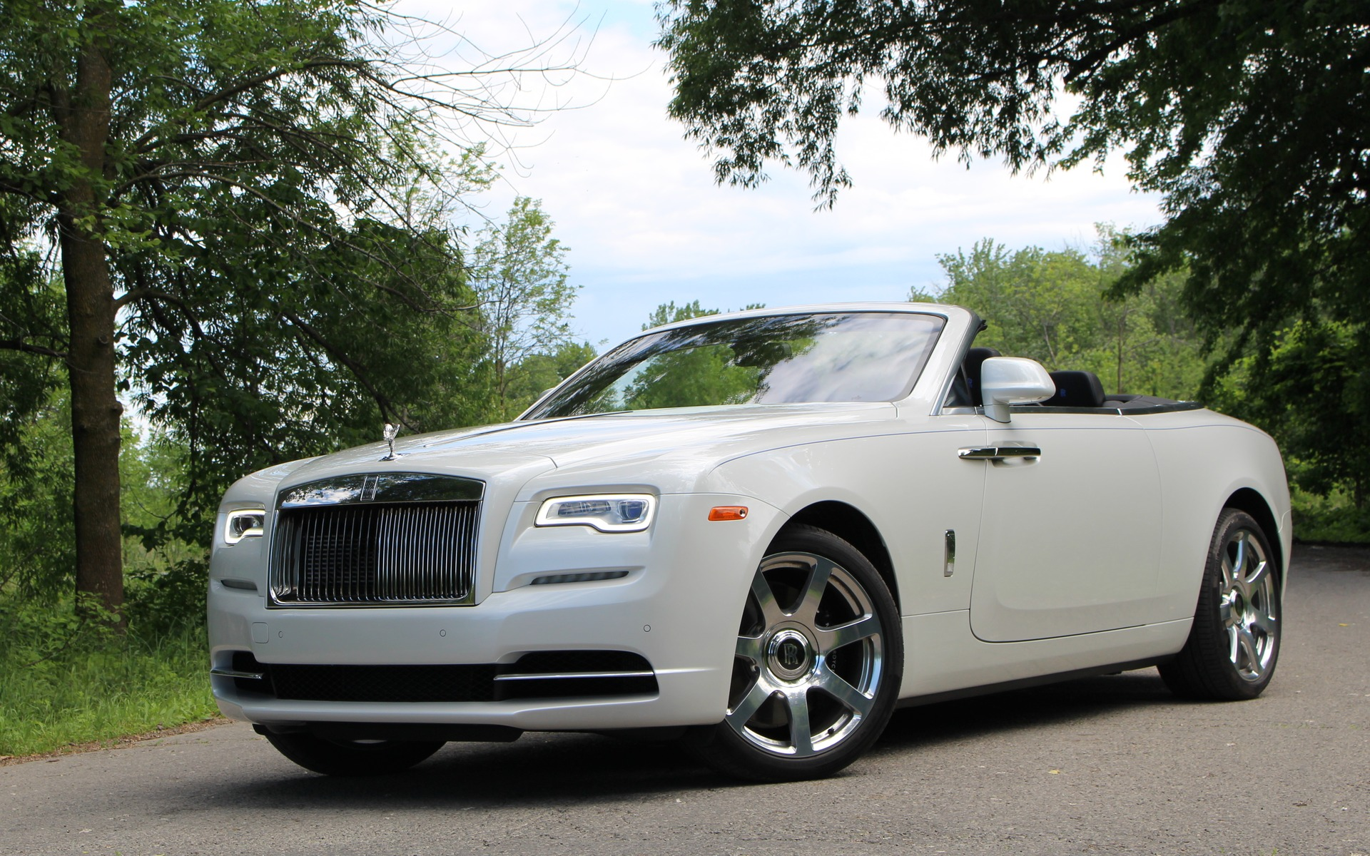 2017 rolls royce dawn ultimate top down motoring the car guide. Black Bedroom Furniture Sets. Home Design Ideas