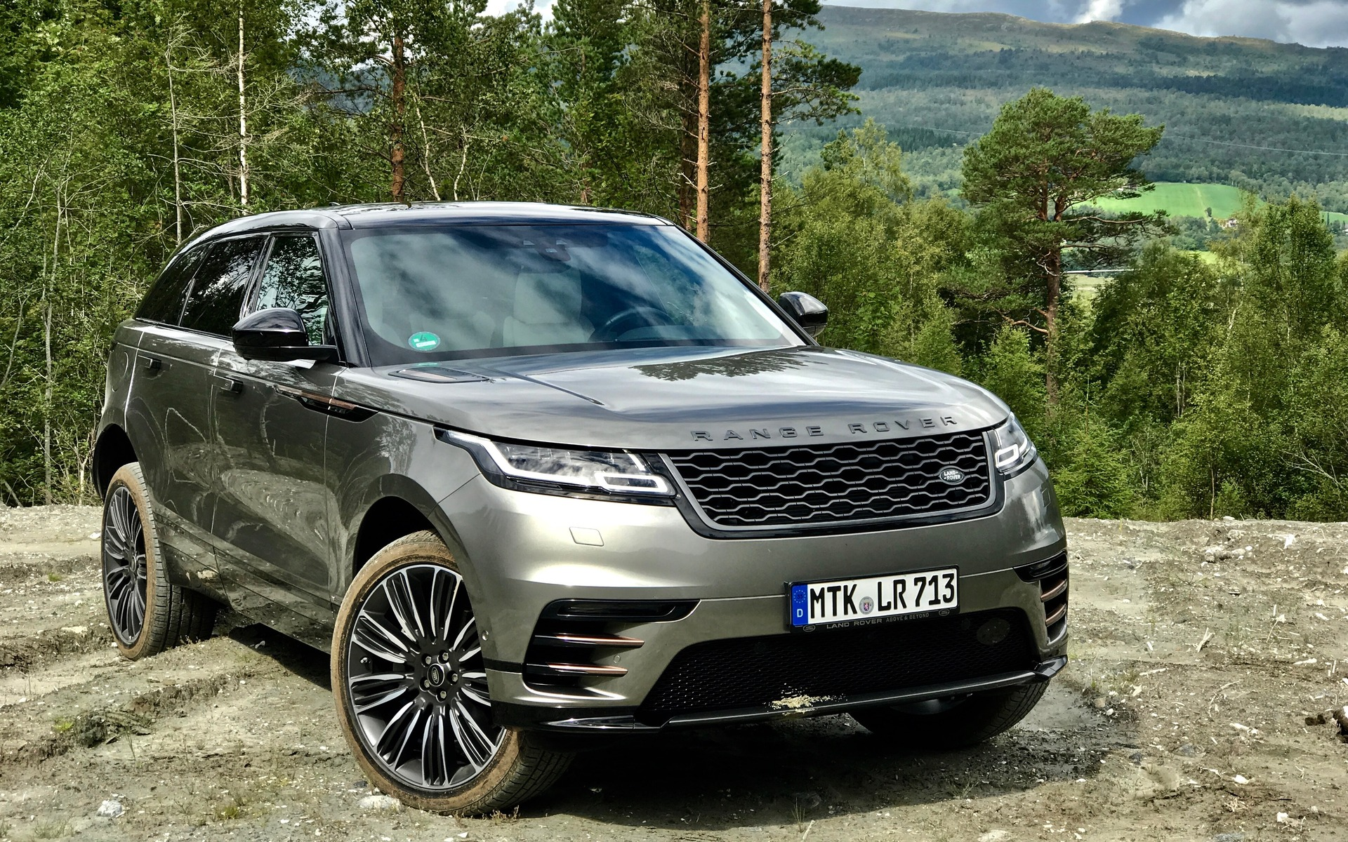 range rover velar 2018 v hicule hors route galant guide auto. Black Bedroom Furniture Sets. Home Design Ideas